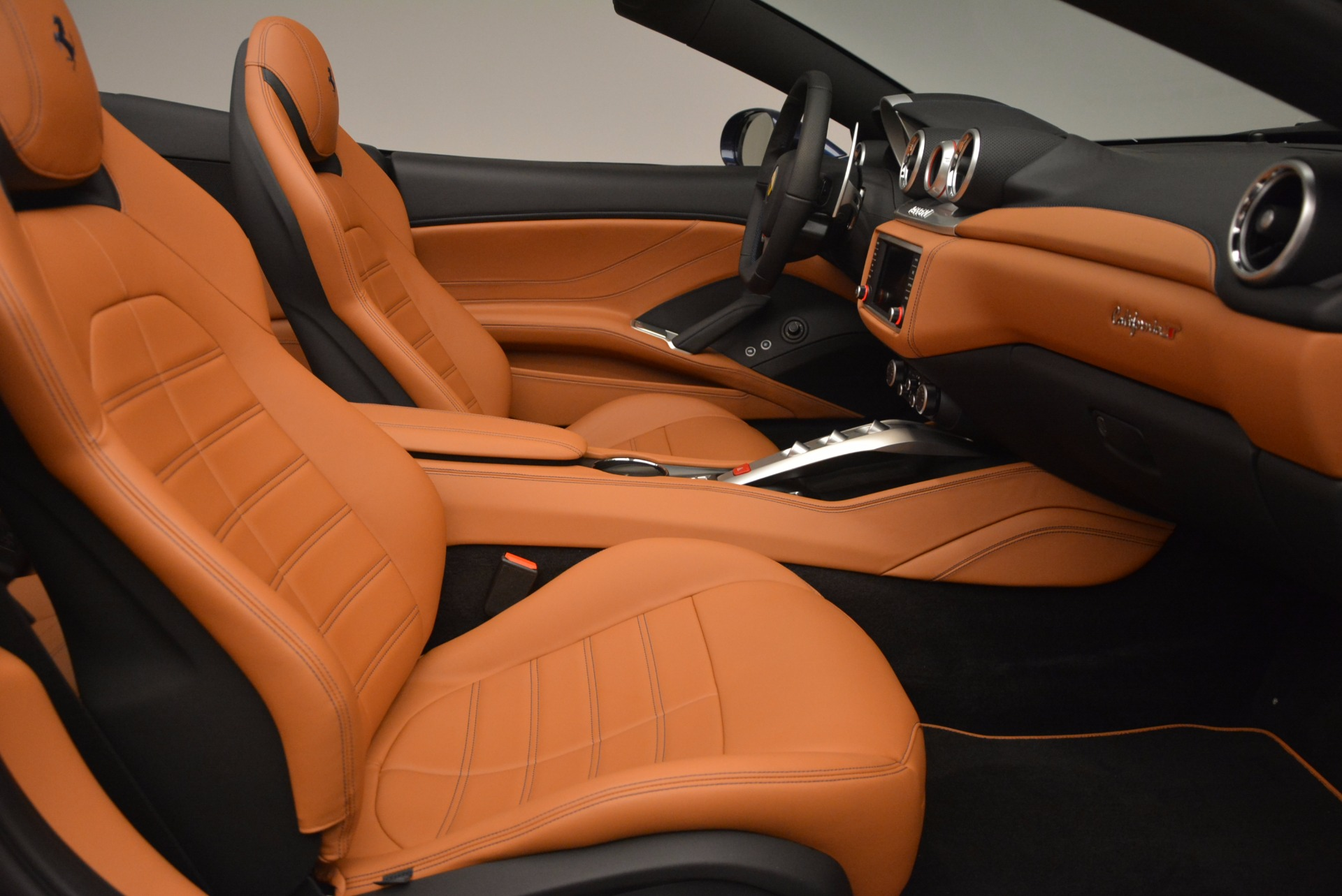 Used 2017 Ferrari California T Handling Speciale For Sale In Greenwich, CT 1394_p31