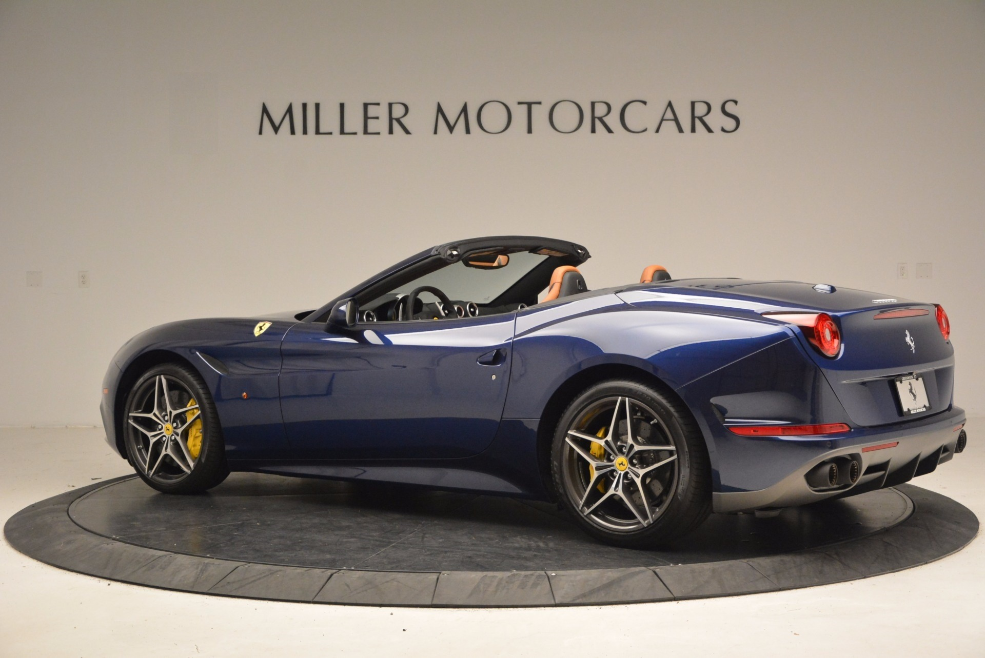 Used 2017 Ferrari California T Handling Speciale For Sale In Greenwich, CT 1394_p4