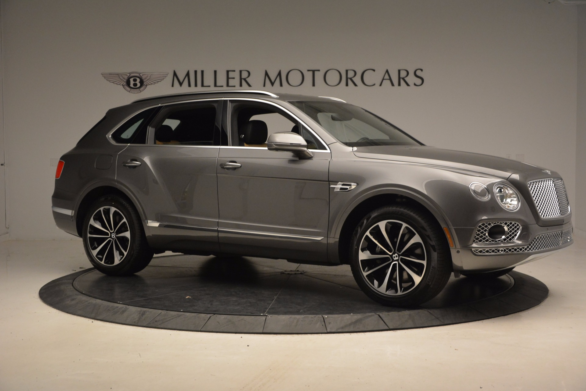 New 2018 Bentley Bentayga Activity Edition-Now with seating for 7!!! For Sale In Greenwich, CT 1396_p11