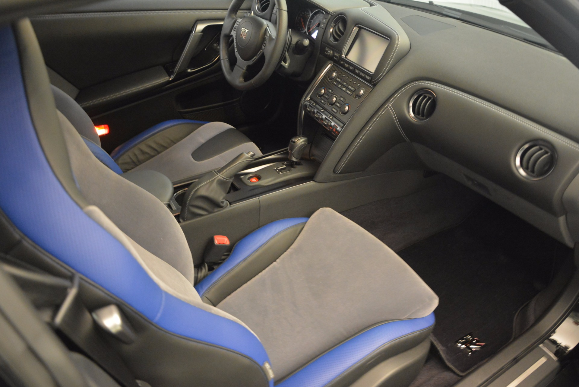 Used 2014 Nissan GT-R Track Edition For Sale In Greenwich, CT 1399_p19