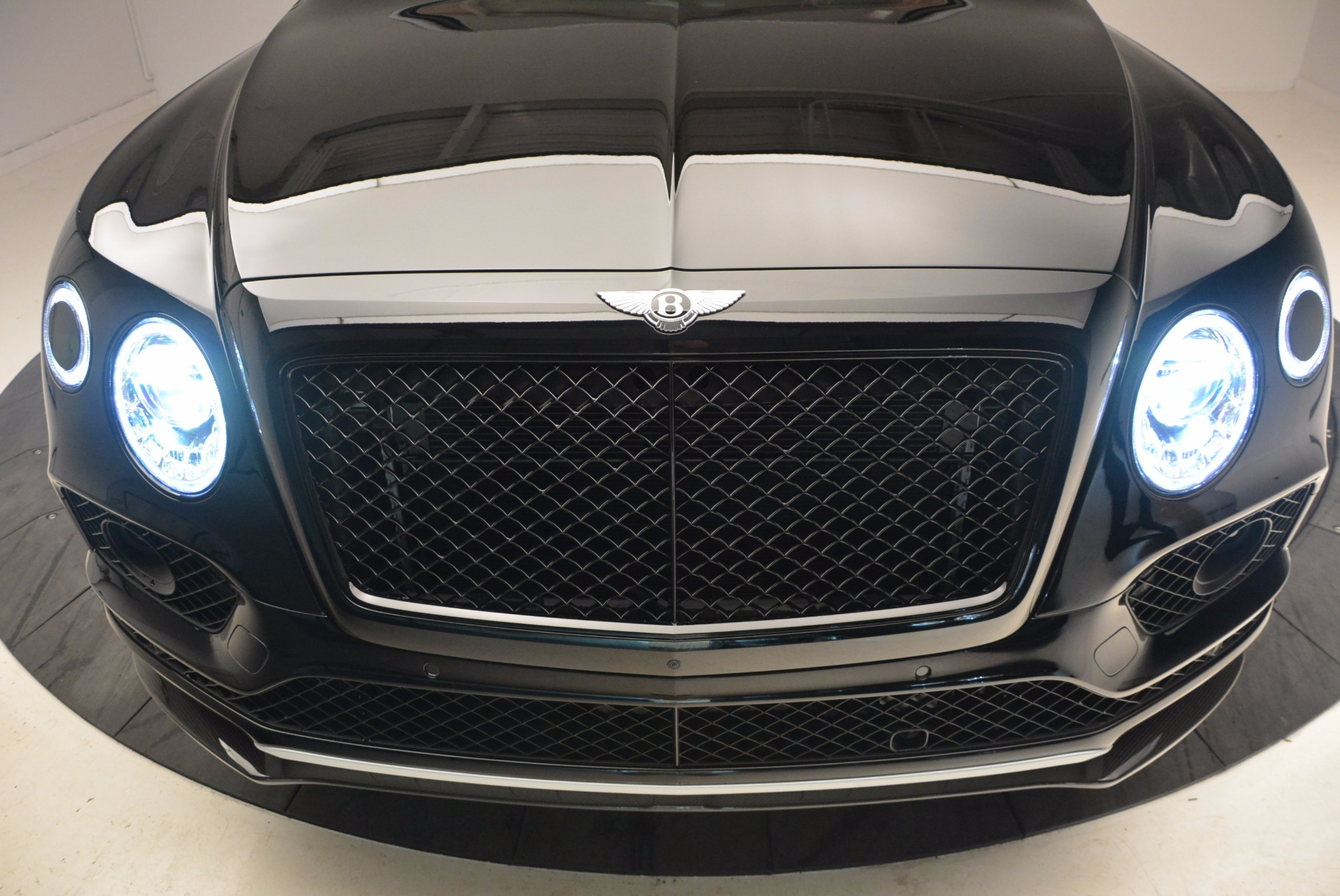 New 2018 Bentley Bentayga Black Edition For Sale In Greenwich, CT 1418_p15