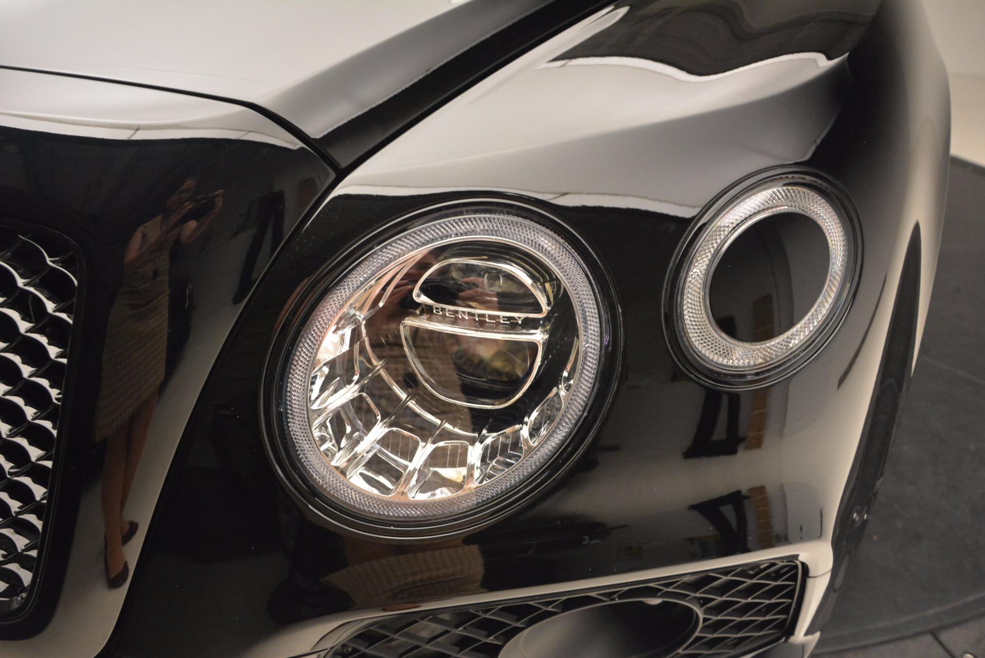 New 2018 Bentley Bentayga Black Edition For Sale In Greenwich, CT 1418_p16