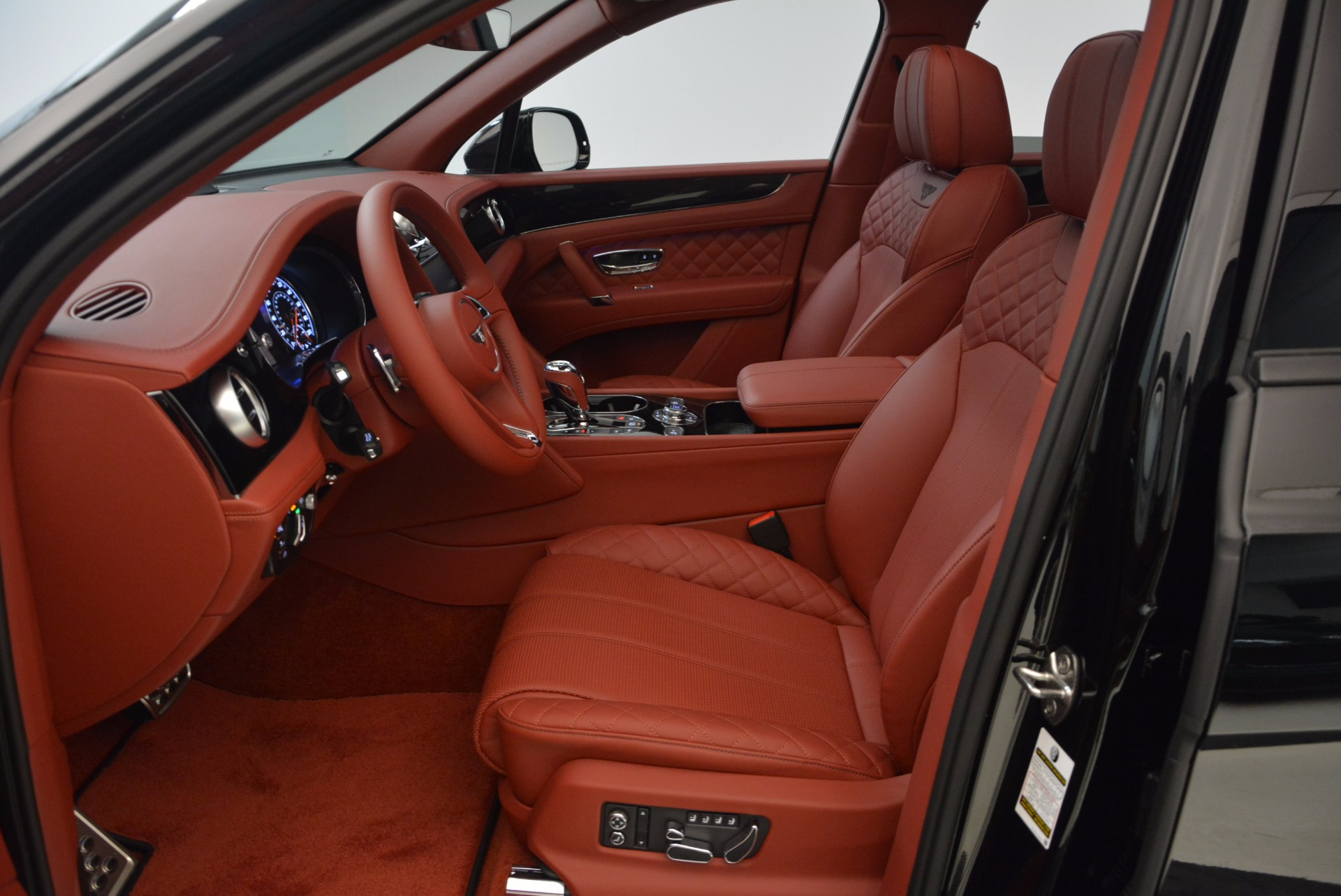 New 2018 Bentley Bentayga Black Edition For Sale In Greenwich, CT 1418_p29