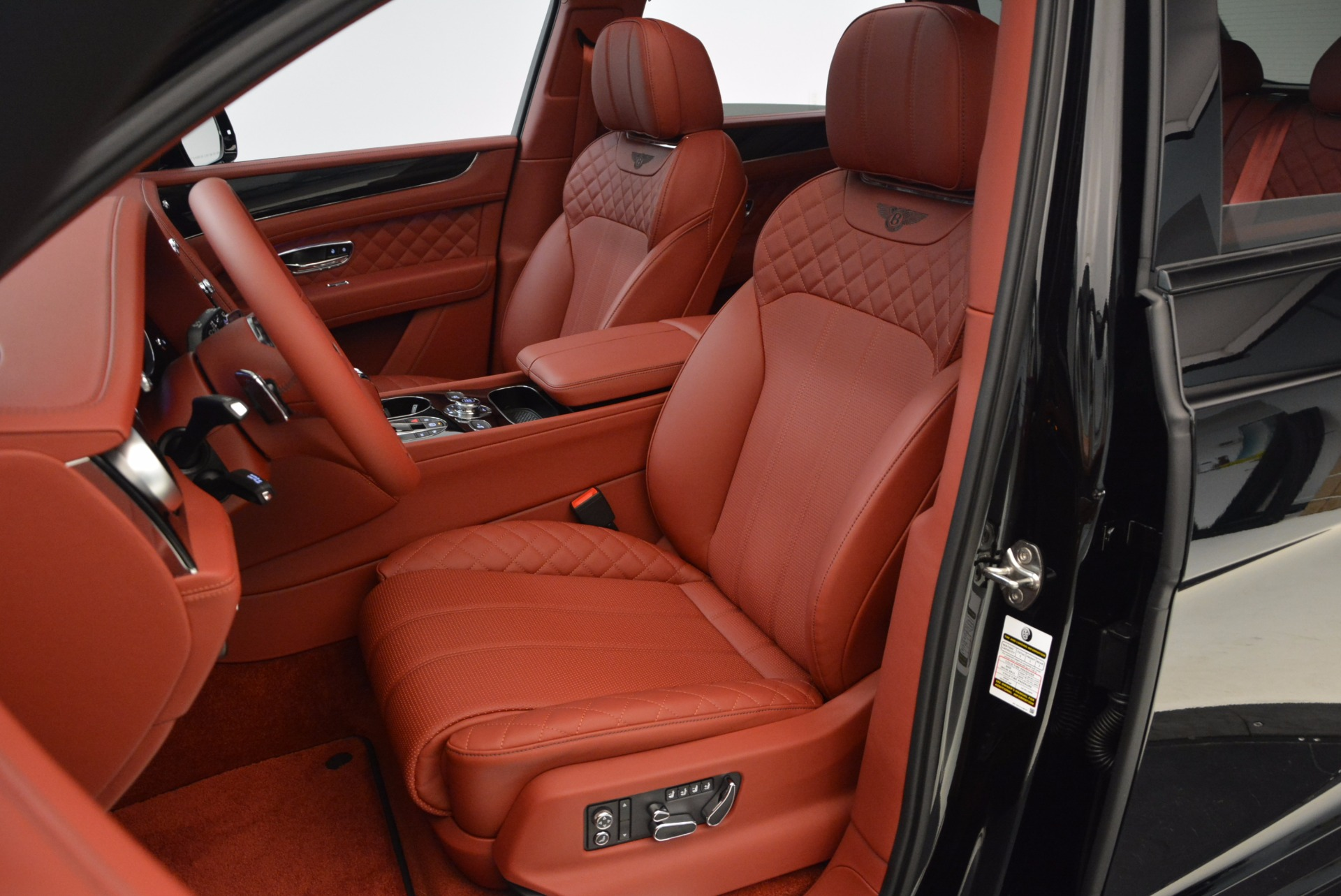 New 2018 Bentley Bentayga Black Edition For Sale In Greenwich, CT 1418_p30