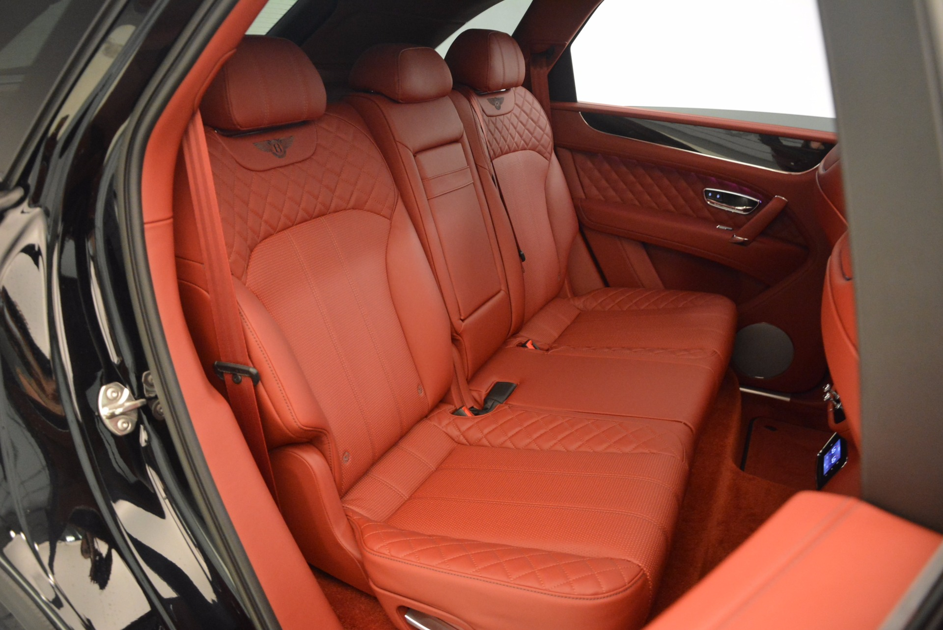 New 2018 Bentley Bentayga Black Edition For Sale In Greenwich, CT 1418_p53