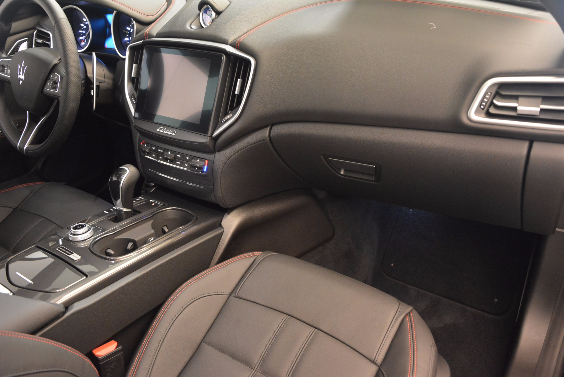 New 2017 Maserati Ghibli Nerissimo Edition S Q4 For Sale In Greenwich, CT 1419_p15