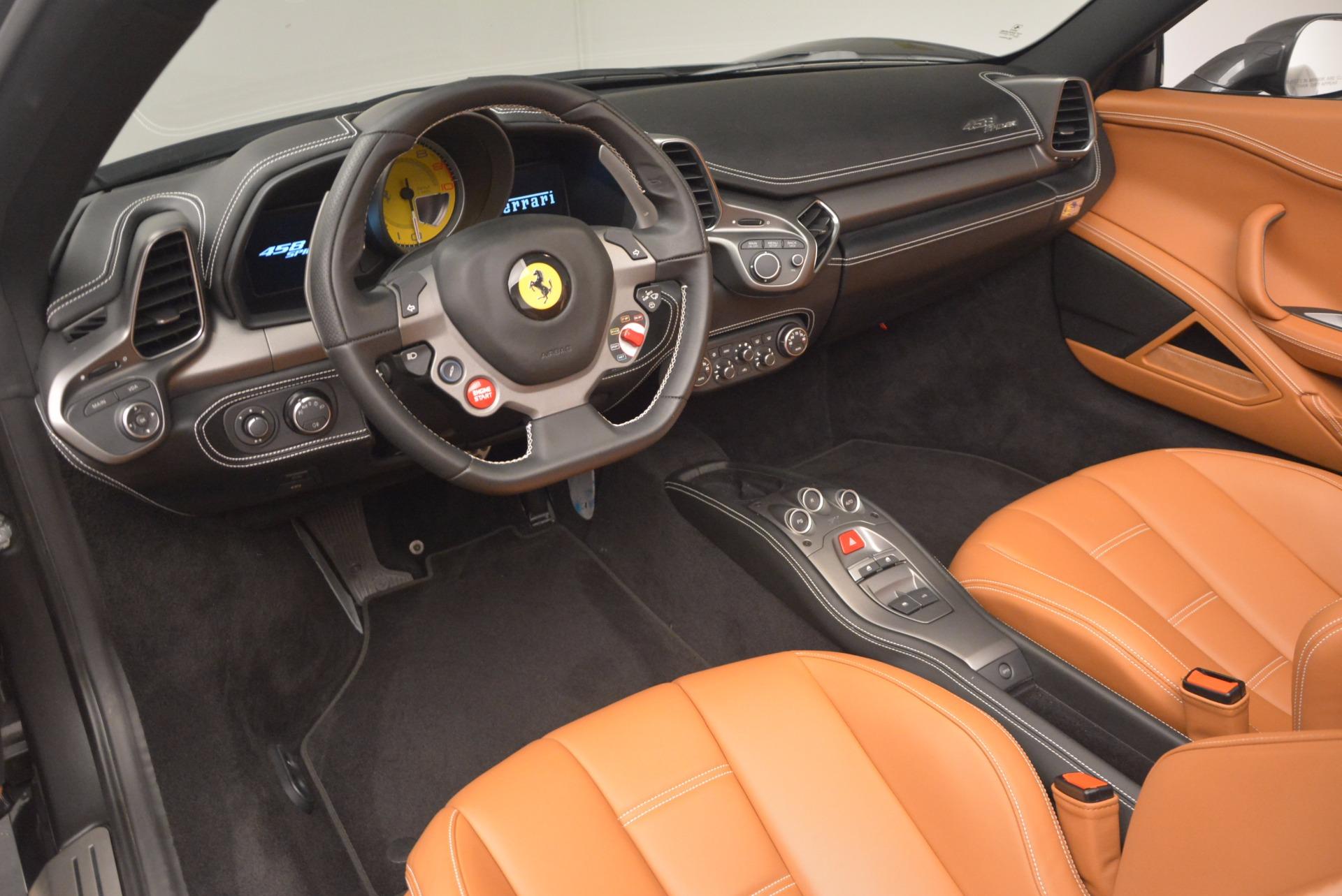Used 2015 Ferrari 458 Spider  For Sale In Greenwich, CT 1423_p25
