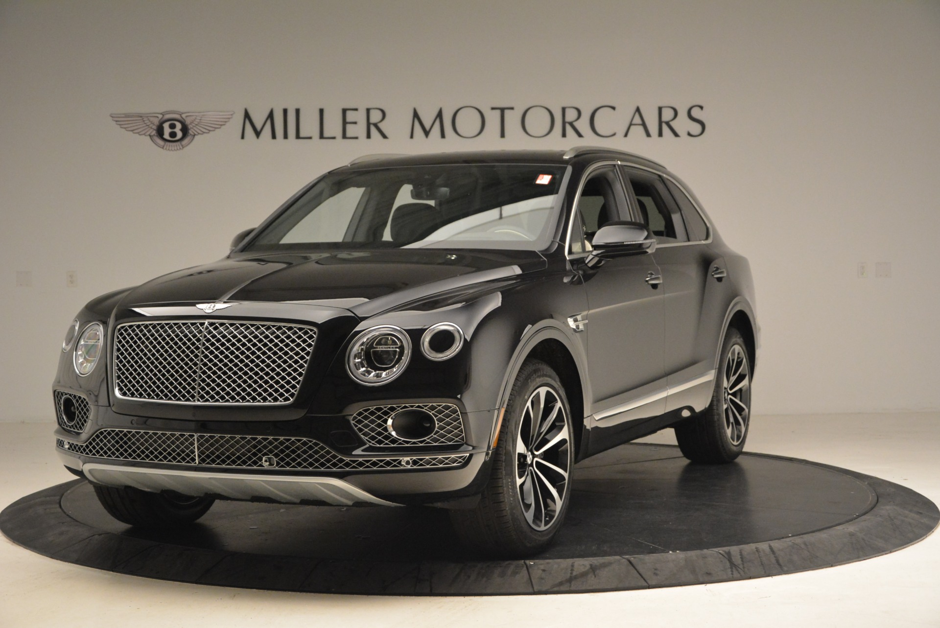 New 2018 Bentley Bentayga Signature For Sale In Greenwich, CT 1424_main