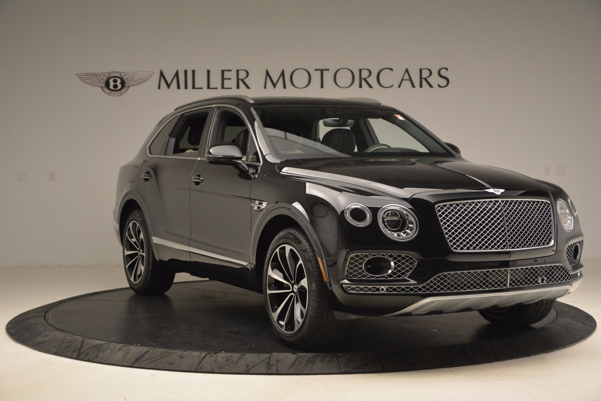 New 2018 Bentley Bentayga Signature For Sale In Greenwich, CT 1424_p11