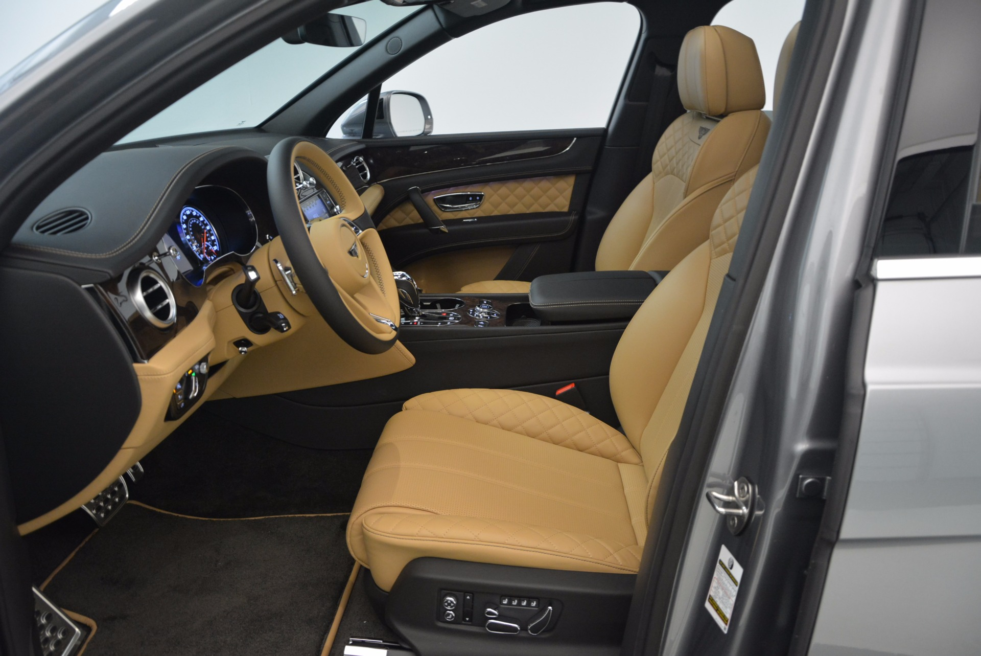 New 2018 Bentley Bentayga  For Sale In Greenwich, CT 1426_p27