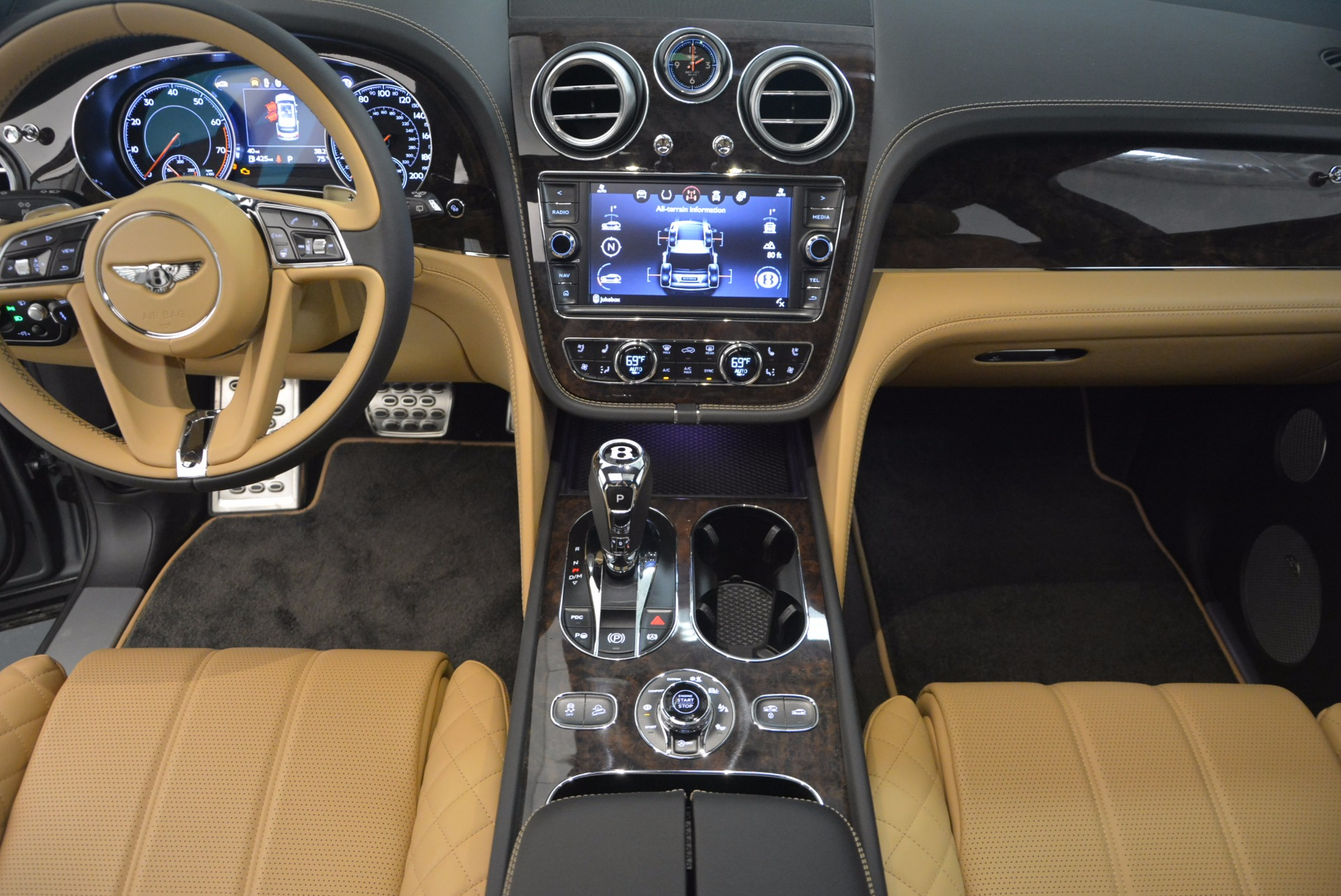 New 2018 Bentley Bentayga  For Sale In Greenwich, CT 1426_p30