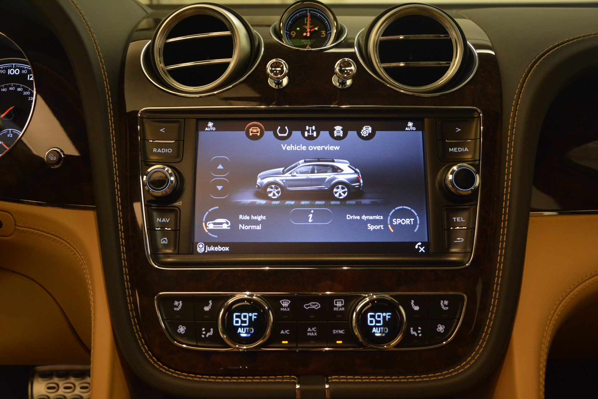 New 2018 Bentley Bentayga  For Sale In Greenwich, CT 1426_p33