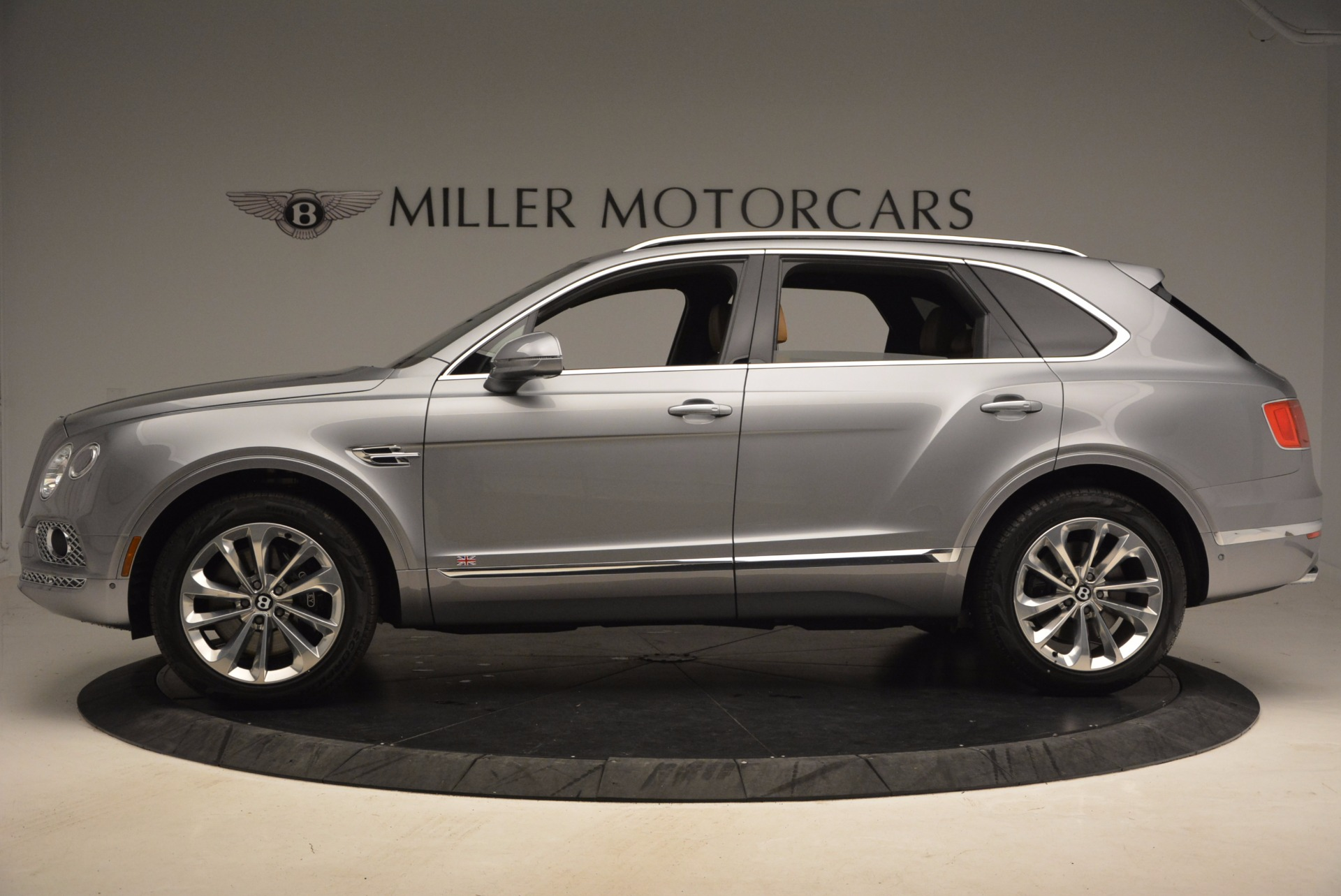 New 2018 Bentley Bentayga  For Sale In Greenwich, CT 1426_p3