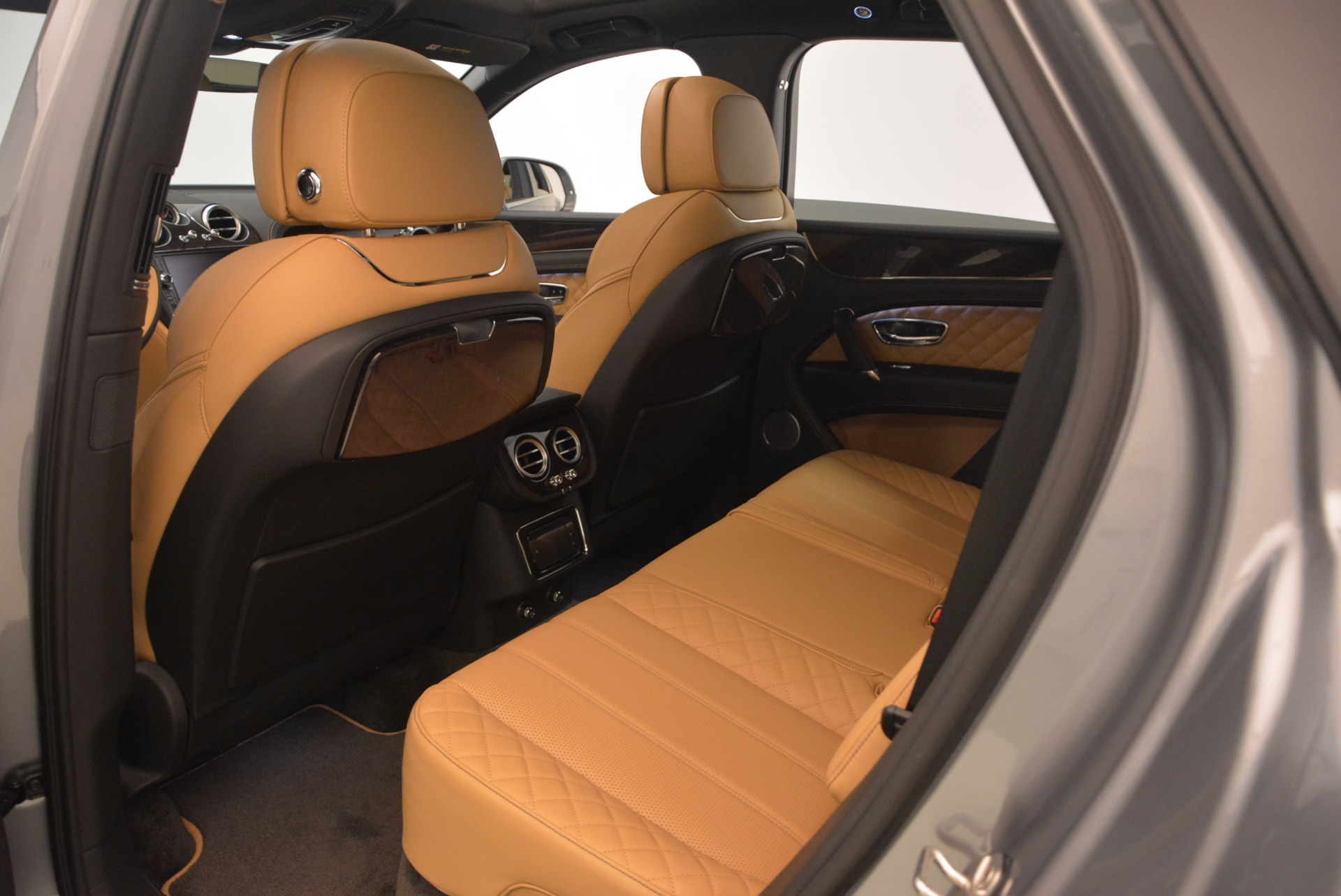 New 2018 Bentley Bentayga  For Sale In Greenwich, CT 1426_p40