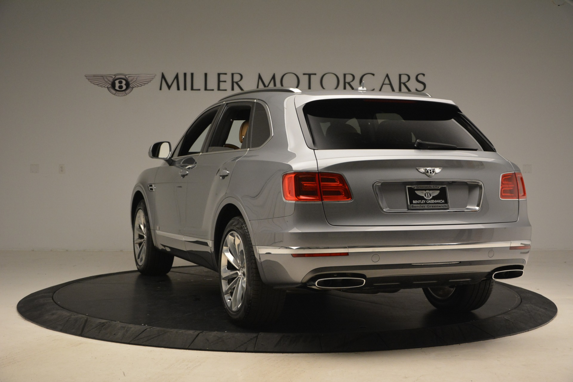 New 2018 Bentley Bentayga  For Sale In Greenwich, CT 1426_p5