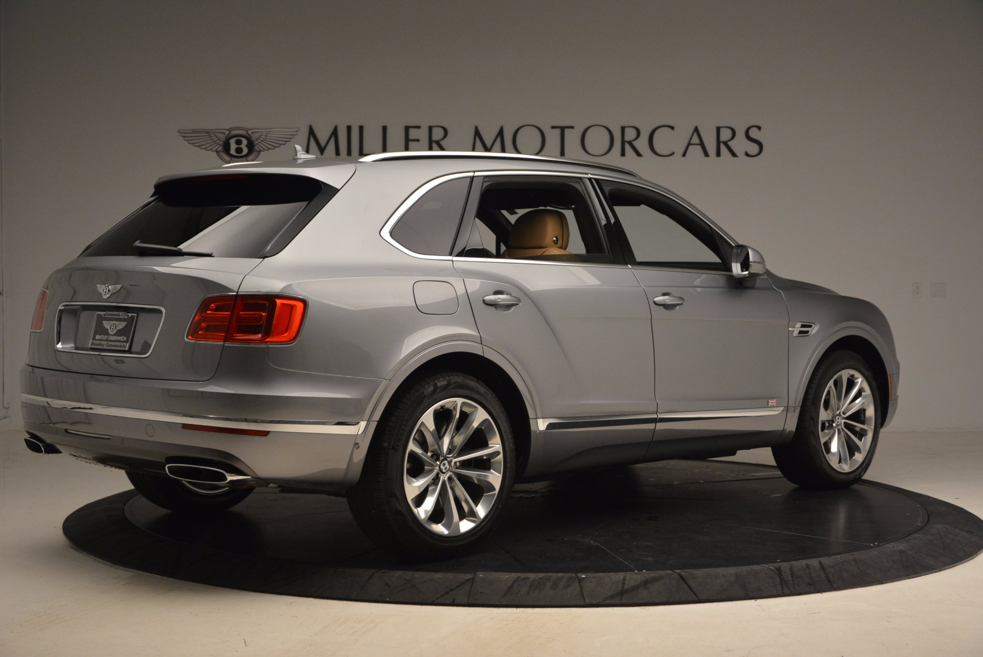 New 2018 Bentley Bentayga  For Sale In Greenwich, CT 1426_p8