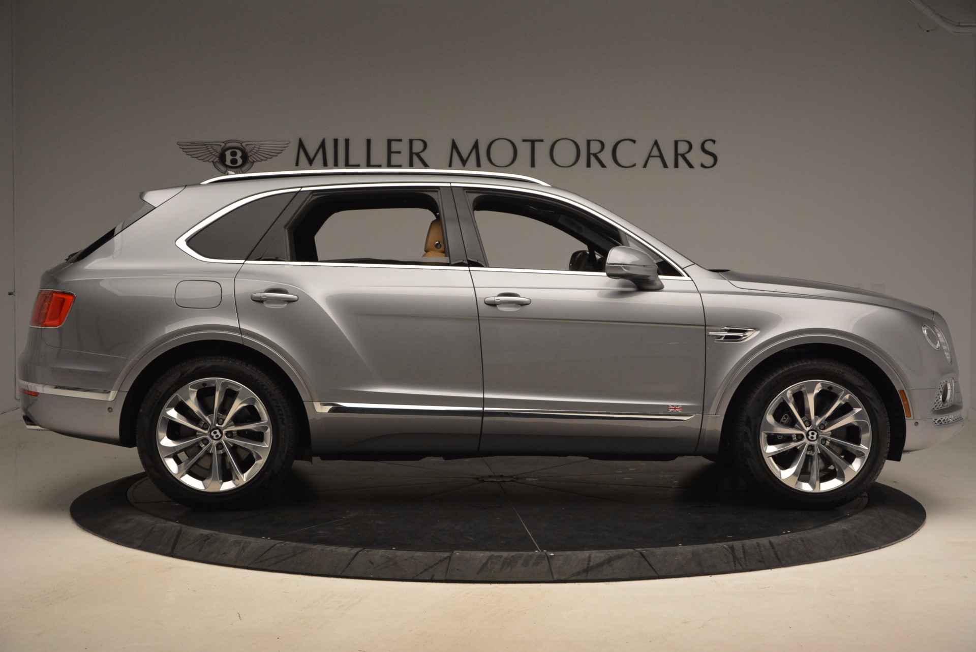 New 2018 Bentley Bentayga  For Sale In Greenwich, CT 1426_p9