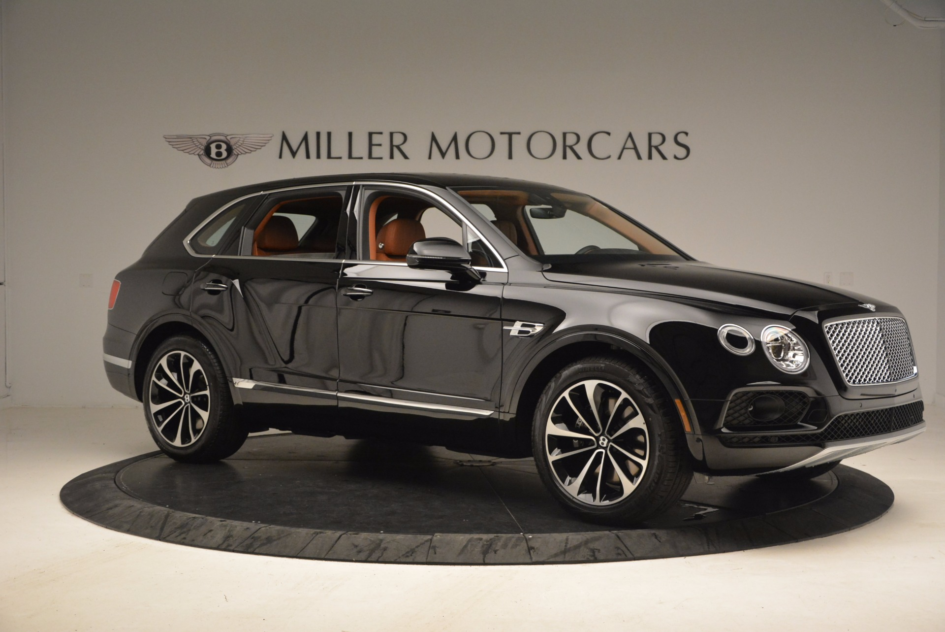 New 2018 Bentley Bentayga Onyx For Sale In Greenwich, CT 1428_p10
