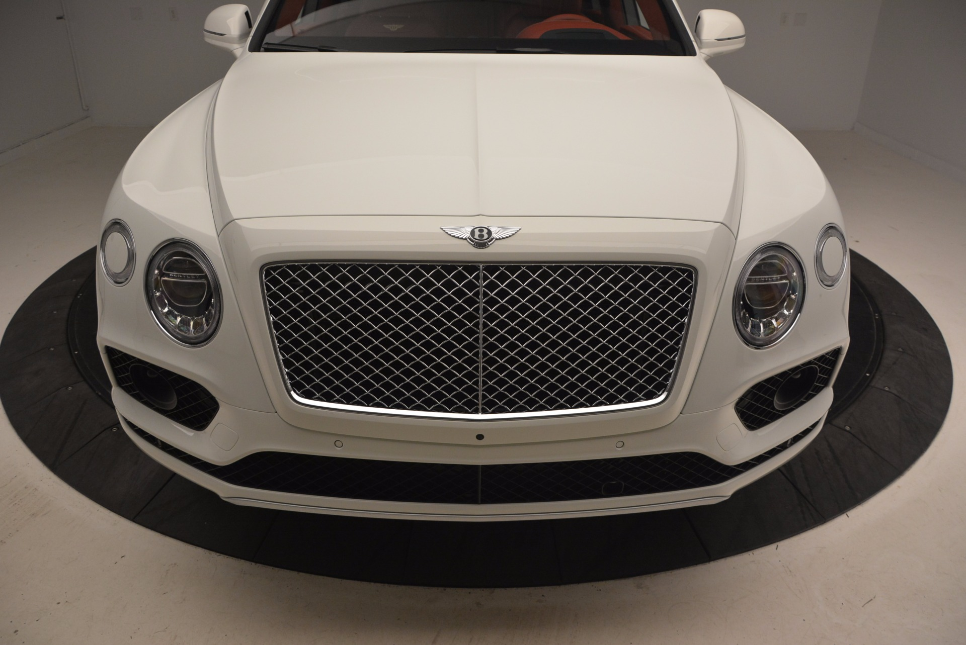 New 2018 Bentley Bentayga Onyx Edition For Sale In Greenwich, CT 1429_p13