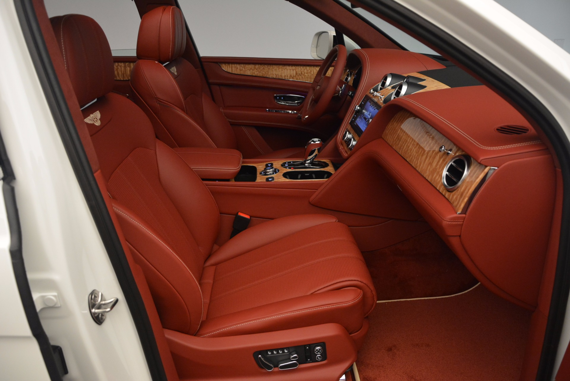 New 2018 Bentley Bentayga Onyx Edition For Sale In Greenwich, CT 1429_p41
