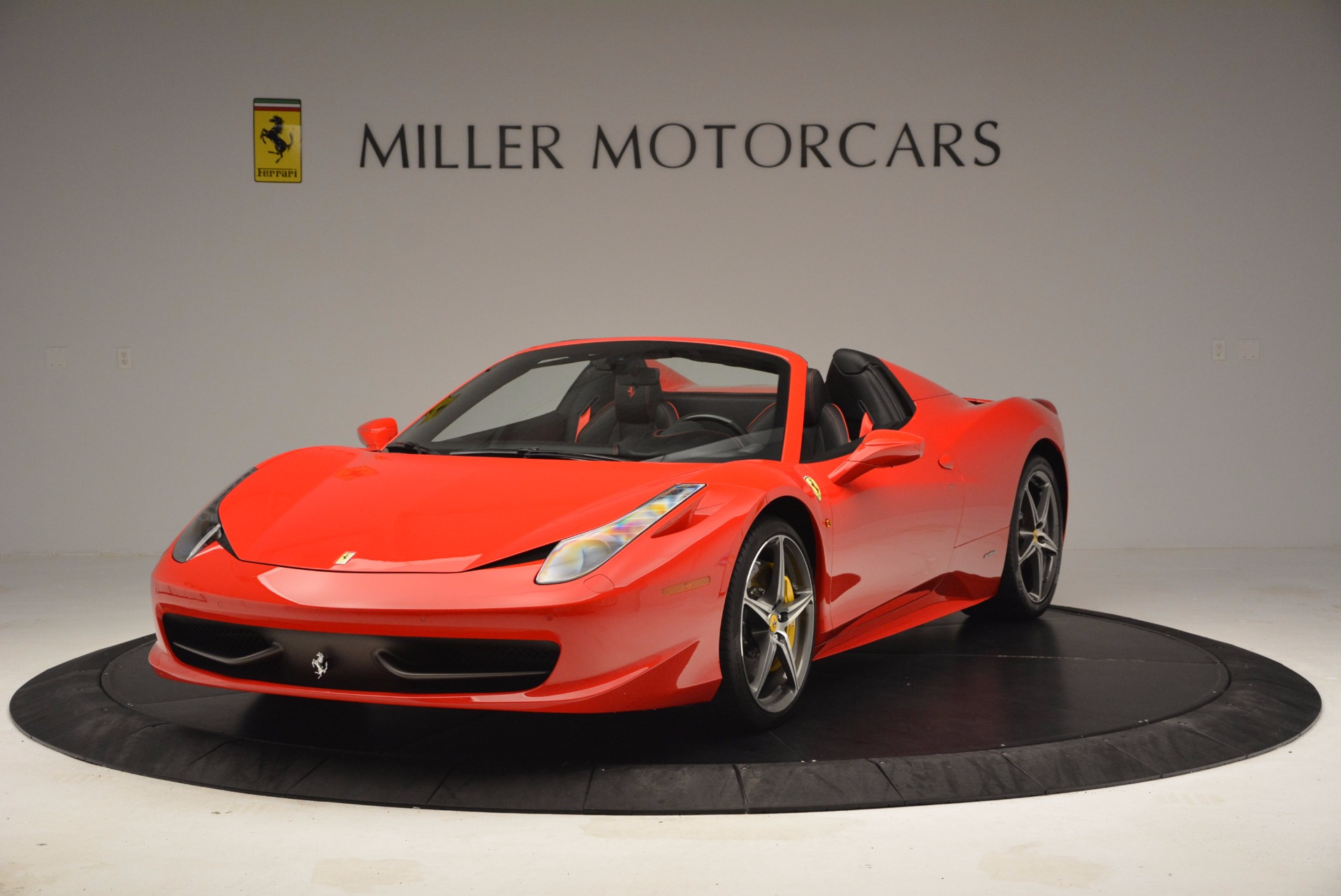 Used 2014 Ferrari 458 Spider  For Sale In Greenwich, CT 1430_main
