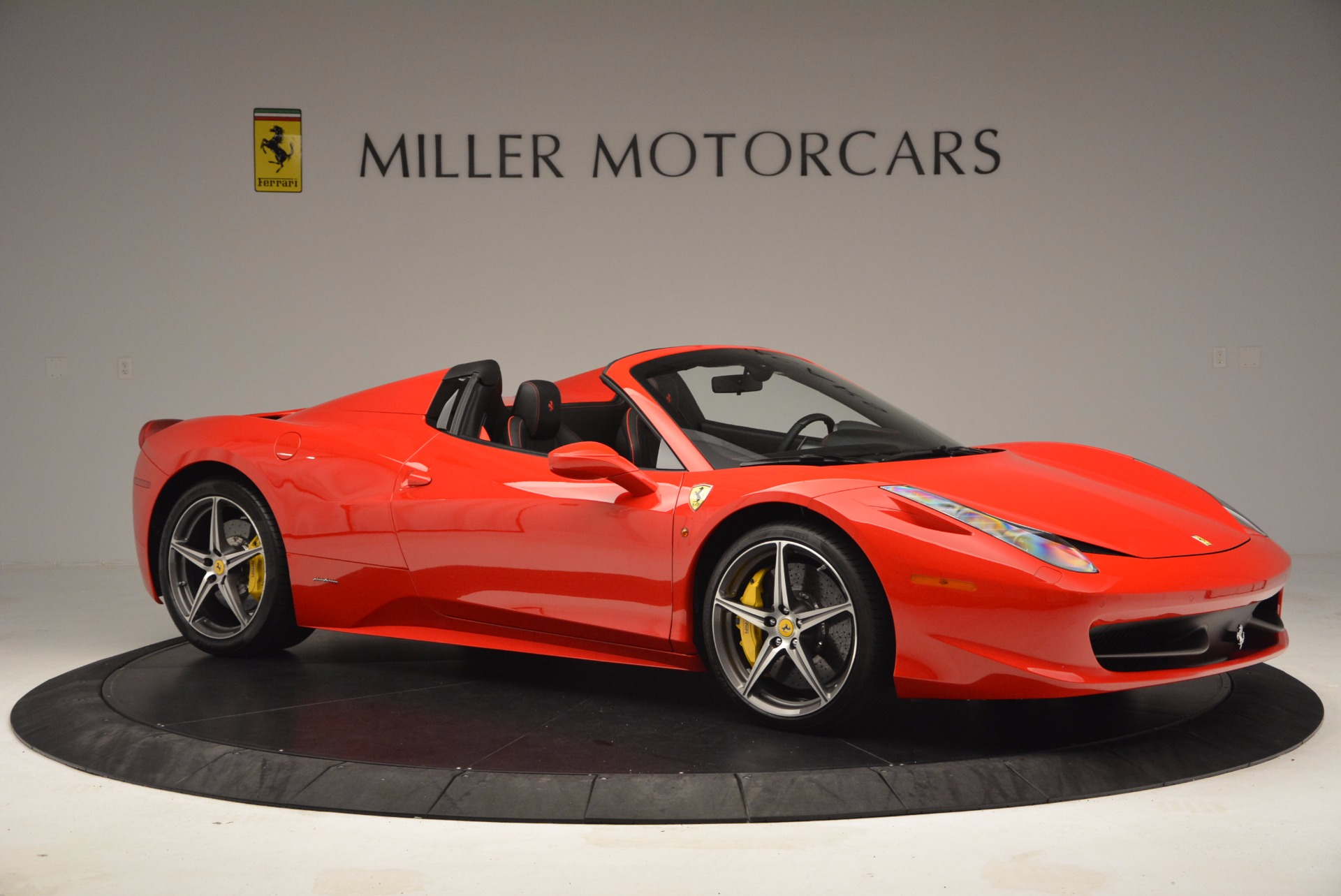 Used 2014 Ferrari 458 Spider  For Sale In Greenwich, CT 1430_p10