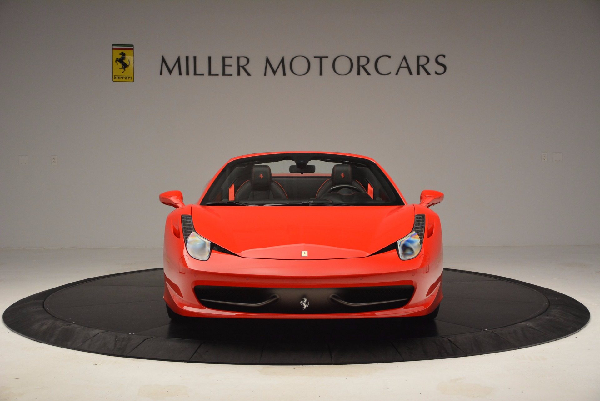 Used 2014 Ferrari 458 Spider  For Sale In Greenwich, CT 1430_p12