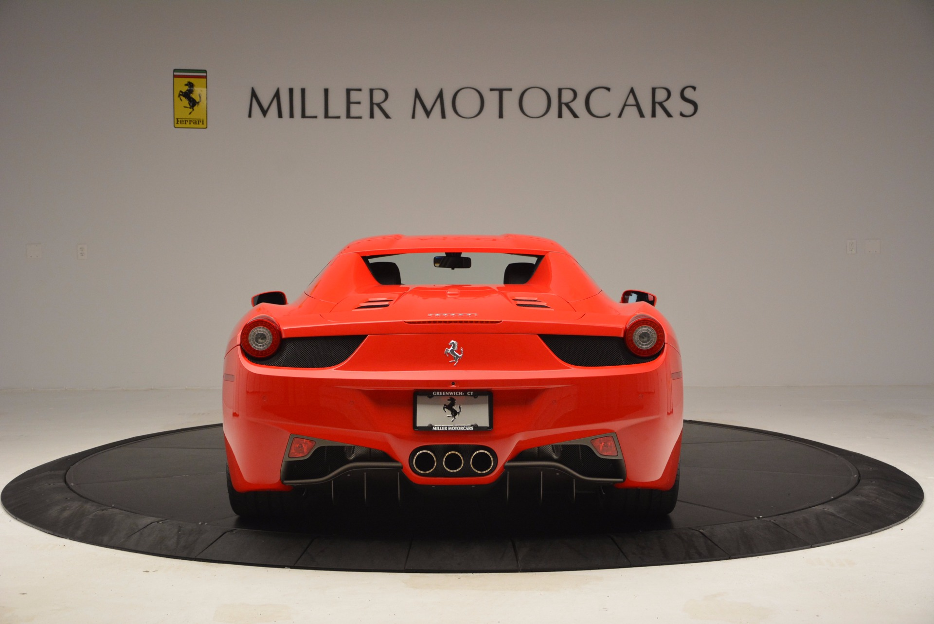 Used 2014 Ferrari 458 Spider  For Sale In Greenwich, CT 1430_p18