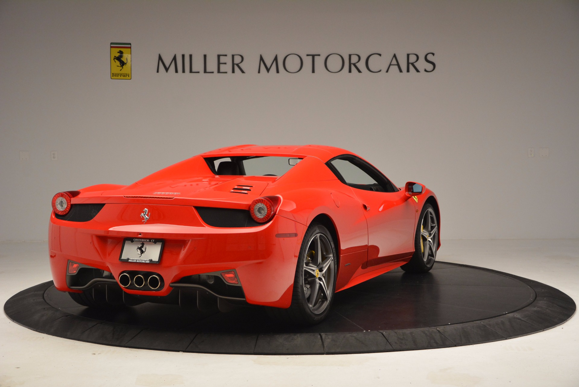 Used 2014 Ferrari 458 Spider  For Sale In Greenwich, CT 1430_p19