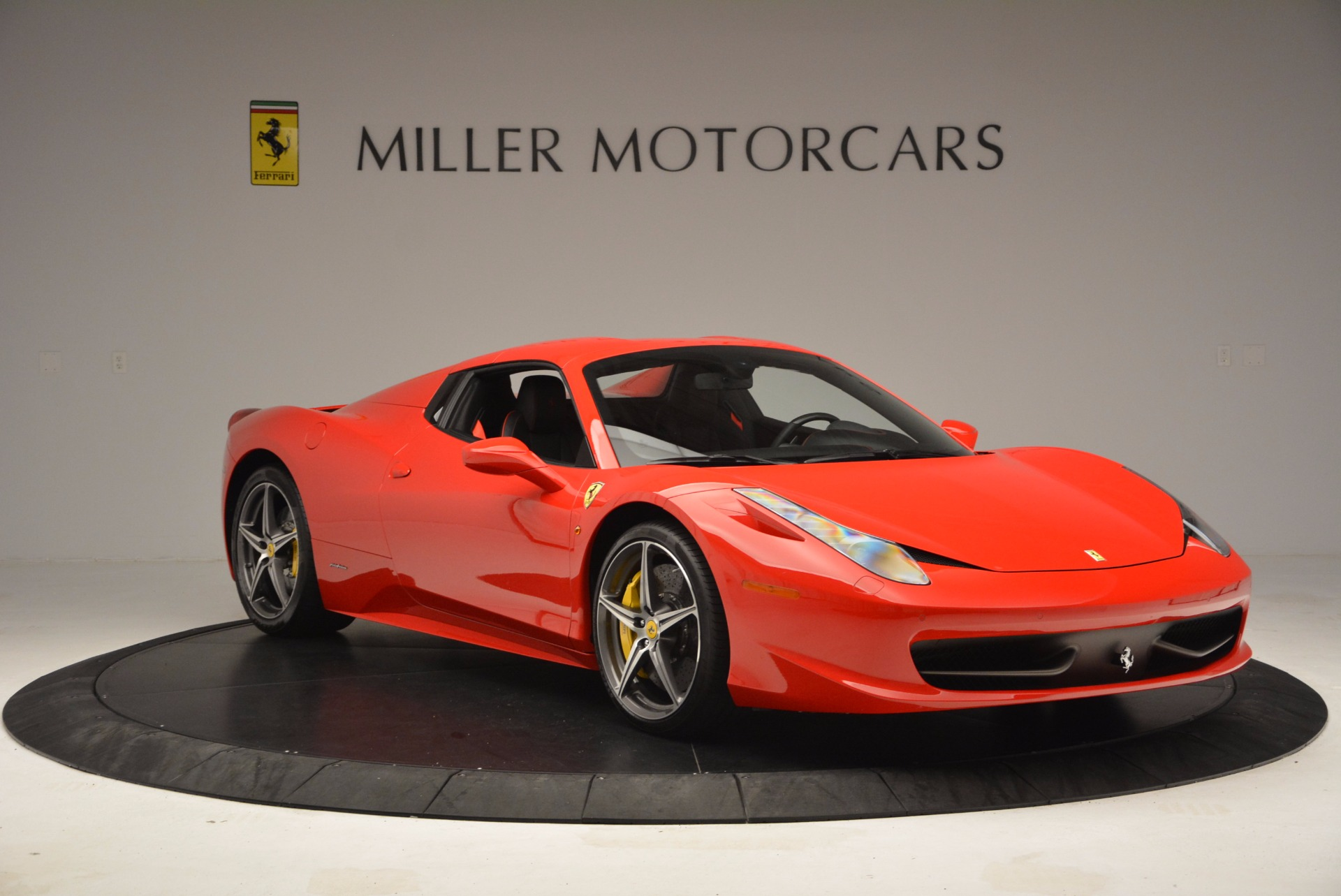 Used 2014 Ferrari 458 Spider  For Sale In Greenwich, CT 1430_p23