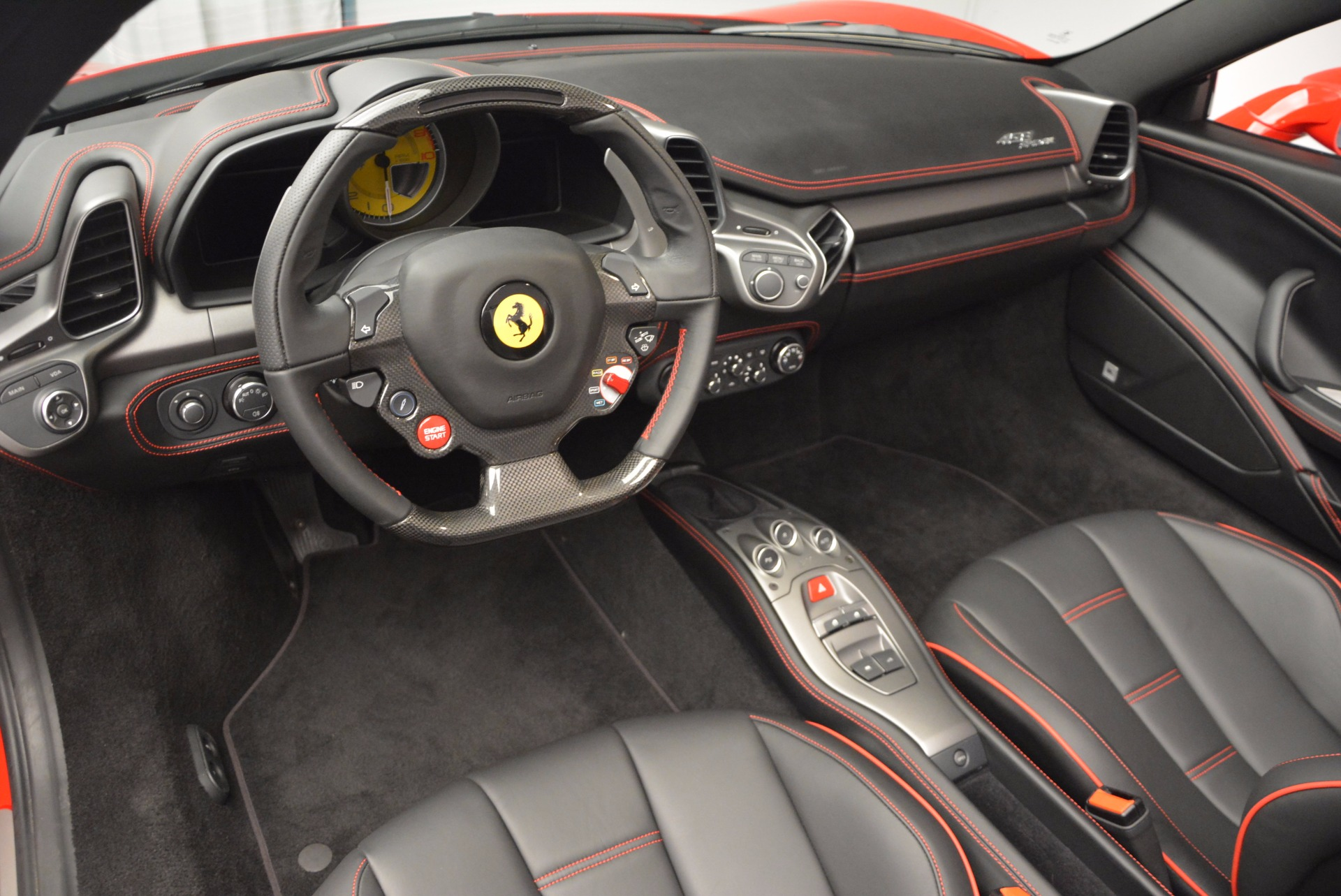 Used 2014 Ferrari 458 Spider  For Sale In Greenwich, CT 1430_p25