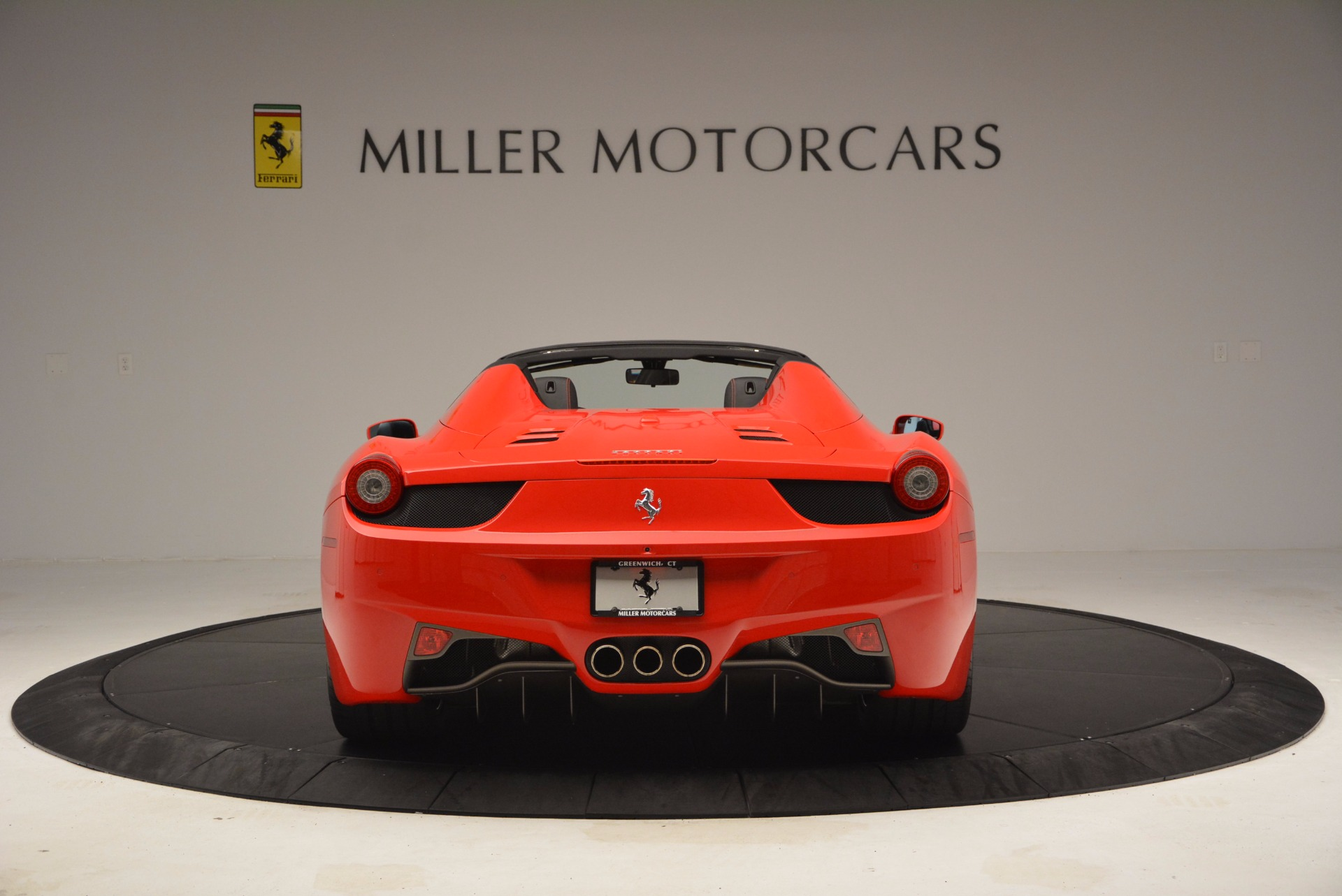 Used 2014 Ferrari 458 Spider  For Sale In Greenwich, CT 1430_p6