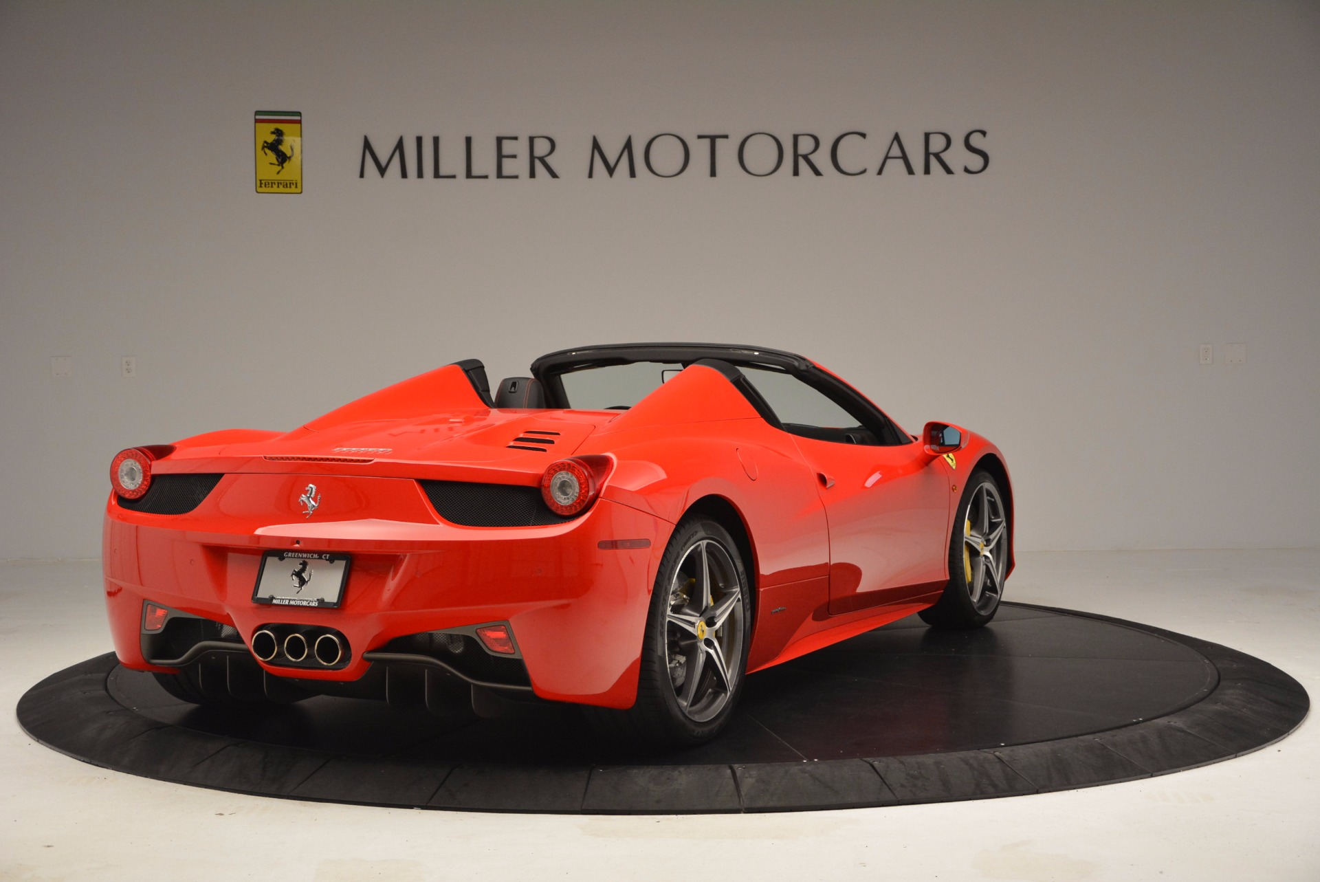 Used 2014 Ferrari 458 Spider  For Sale In Greenwich, CT 1430_p7