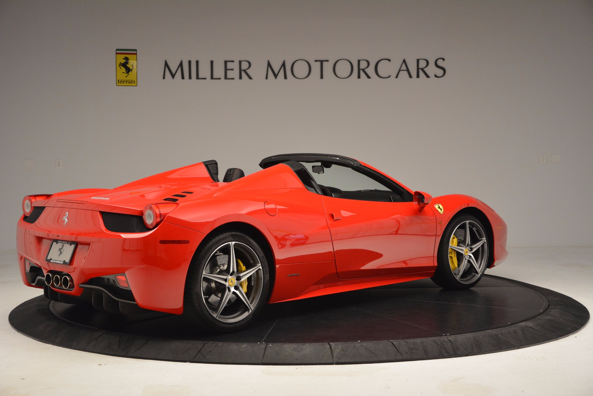 Used 2014 Ferrari 458 Spider  For Sale In Greenwich, CT 1430_p8