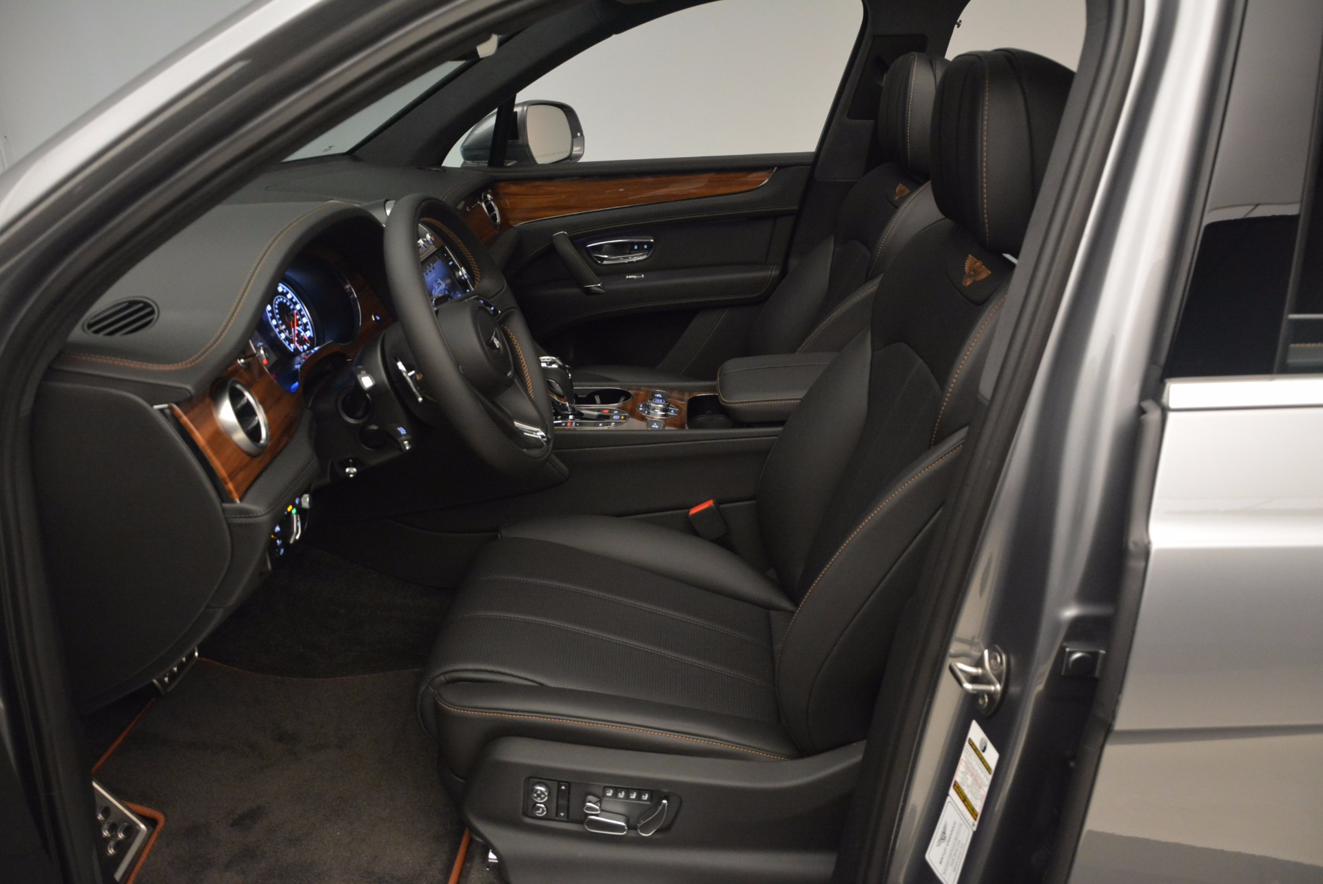 New 2018 Bentley Bentayga Onyx For Sale In Greenwich, CT 1446_p24