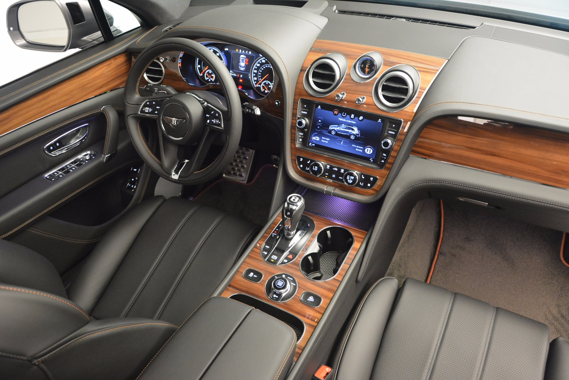 New 2018 Bentley Bentayga Onyx For Sale In Greenwich, CT 1446_p43