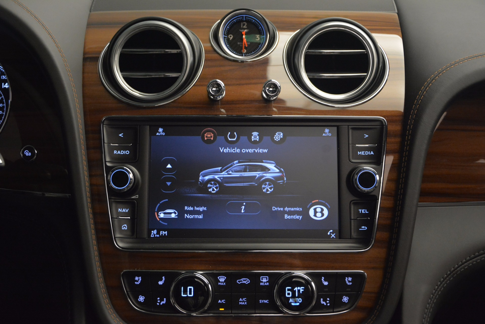 New 2018 Bentley Bentayga Onyx For Sale In Greenwich, CT 1446_p47