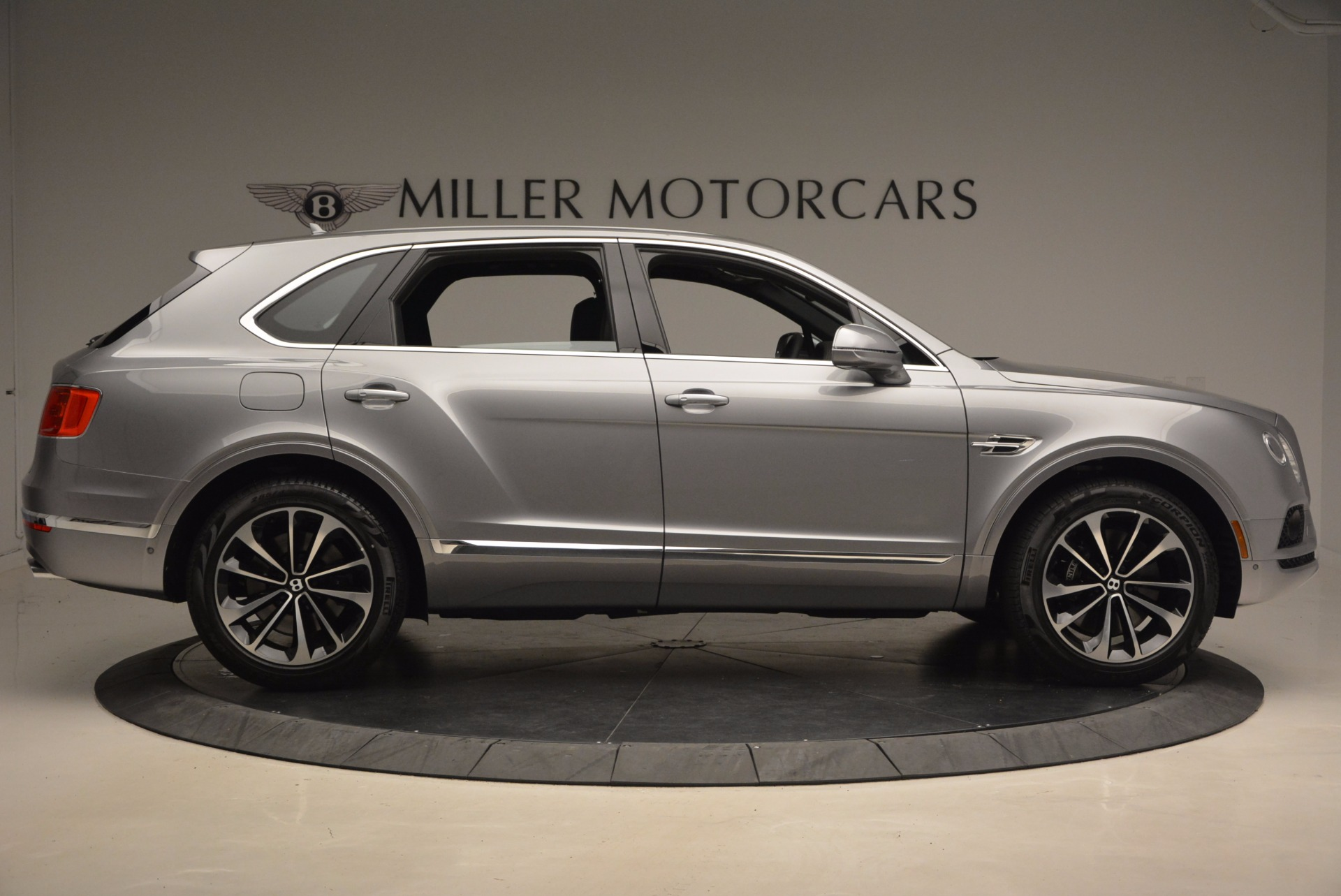 New 2018 Bentley Bentayga Onyx For Sale In Greenwich, CT 1446_p9