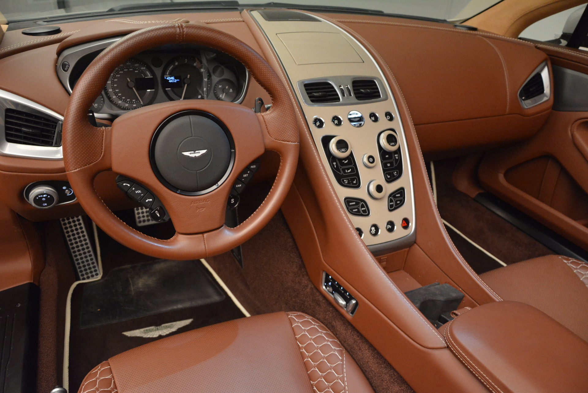Used 2015 Aston Martin Vanquish Volante For Sale In Greenwich, CT 1448_p21