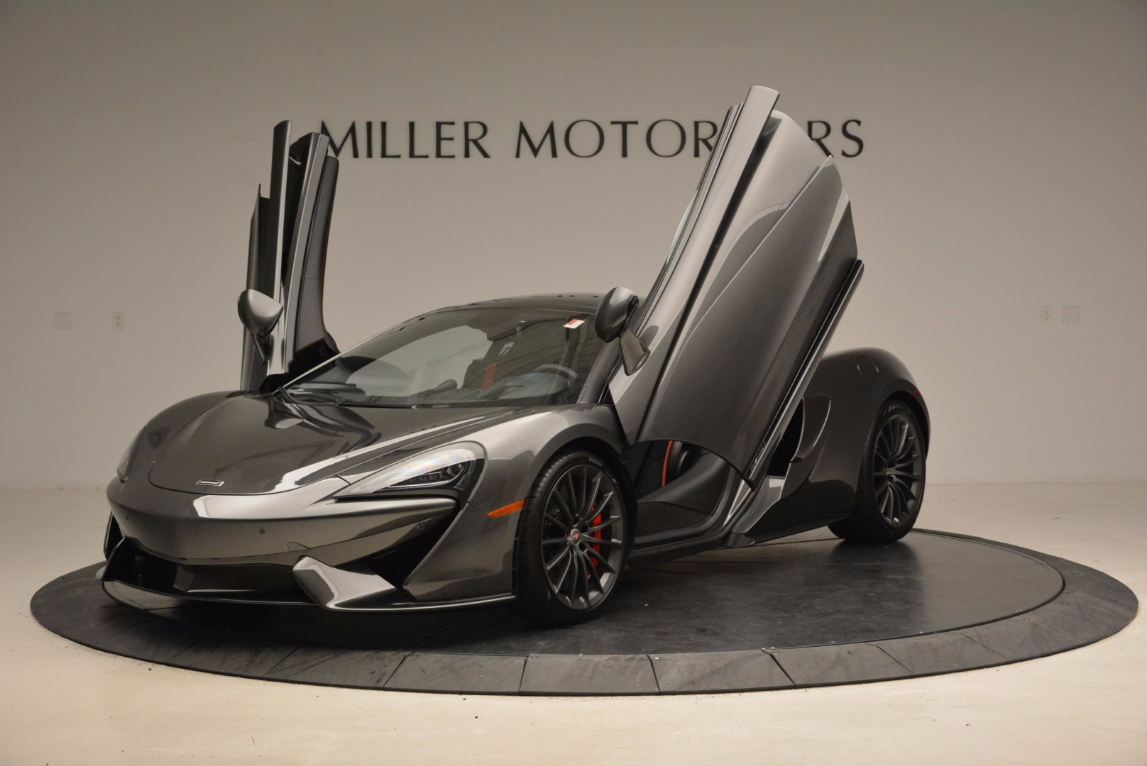 New 2017 McLaren 570GT  For Sale In Greenwich, CT 1451_p14