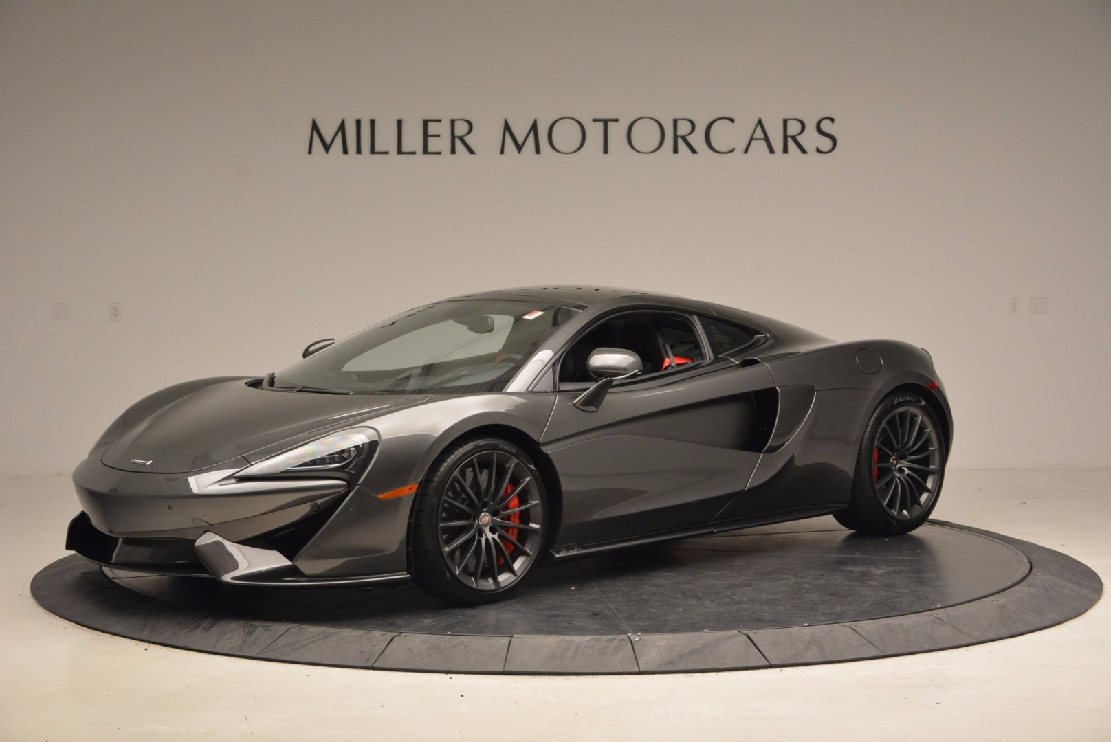New 2017 McLaren 570GT  For Sale In Greenwich, CT 1451_p2