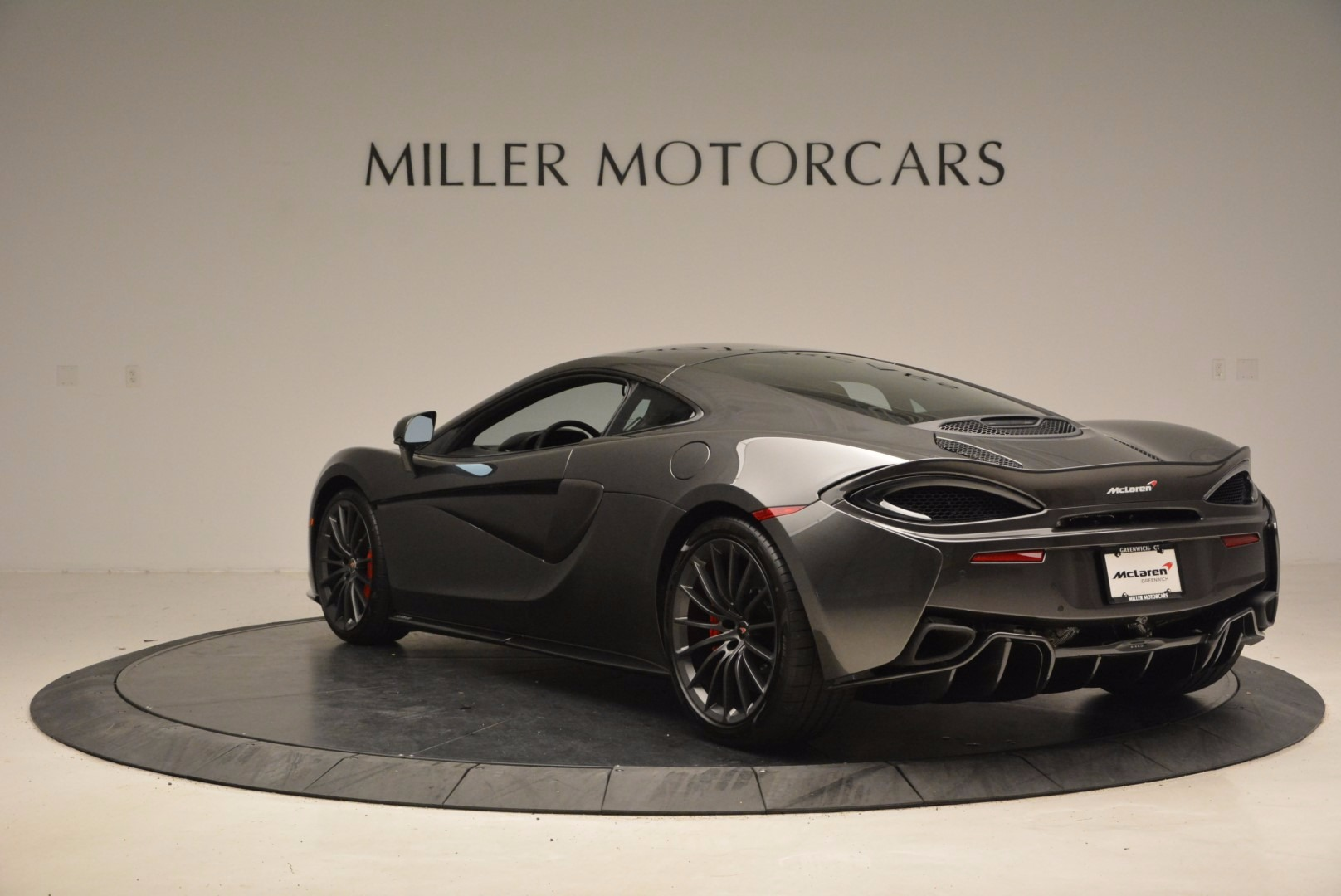 New 2017 McLaren 570GT  For Sale In Greenwich, CT 1451_p5