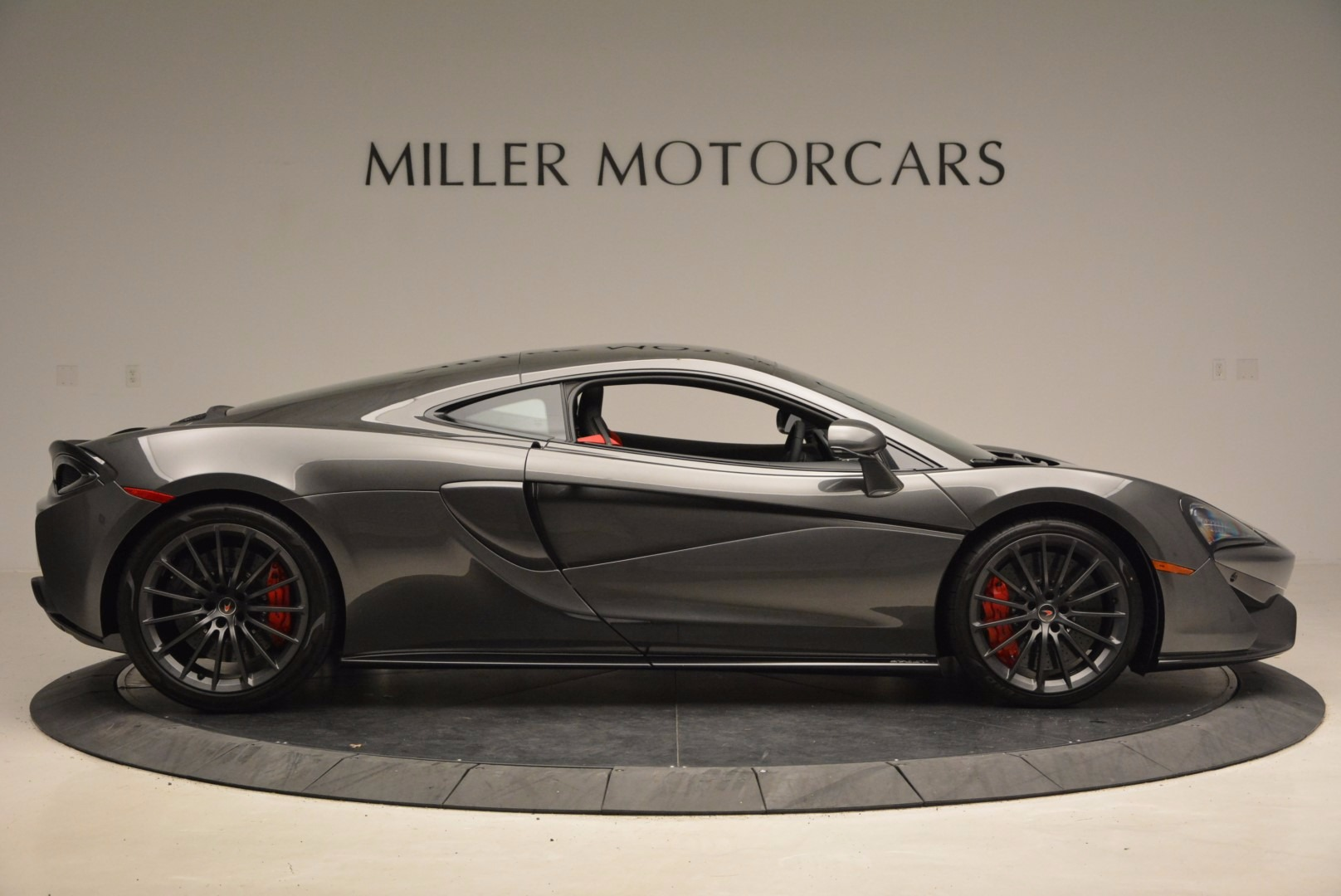 New 2017 McLaren 570GT  For Sale In Greenwich, CT 1451_p9