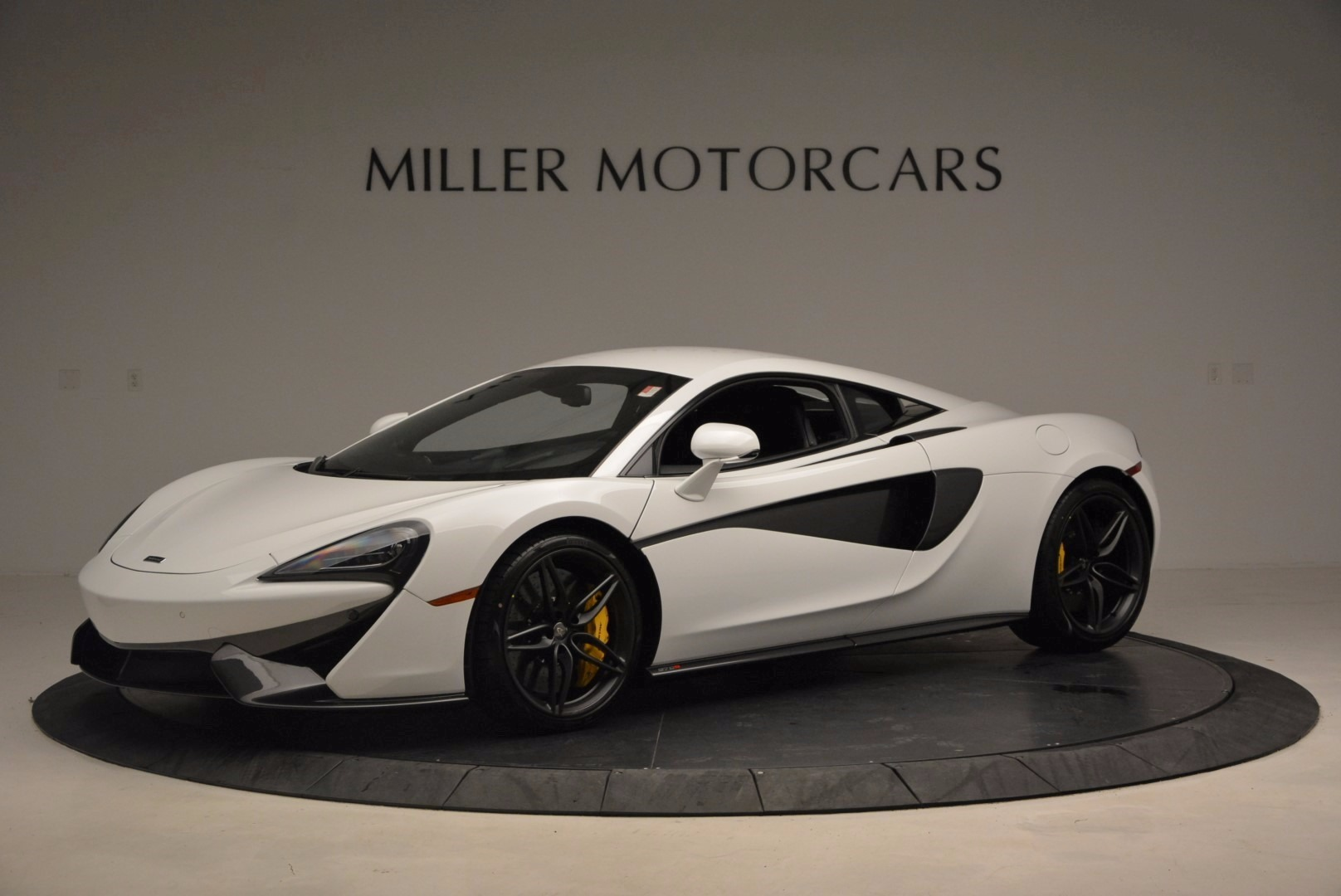 New 2017 McLaren 570S  For Sale In Greenwich, CT 1452_p2