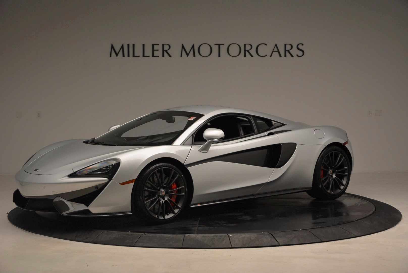 Used 2017 McLaren 570S  For Sale In Greenwich, CT 1453_p2