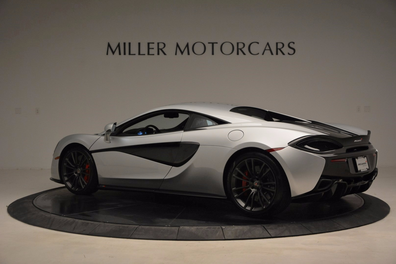 Used 2017 McLaren 570S  For Sale In Greenwich, CT 1453_p4