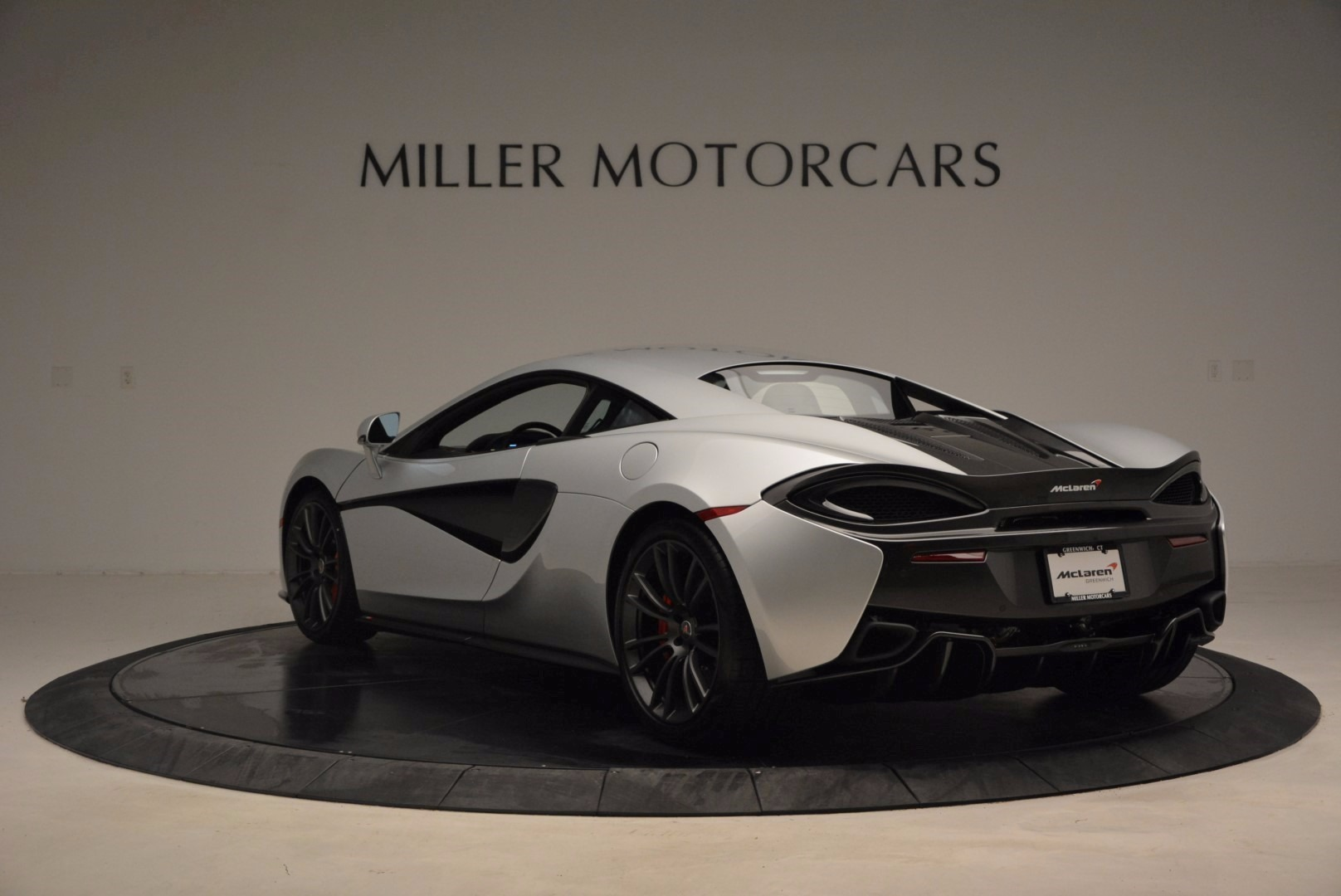 Used 2017 McLaren 570S  For Sale In Greenwich, CT 1453_p5