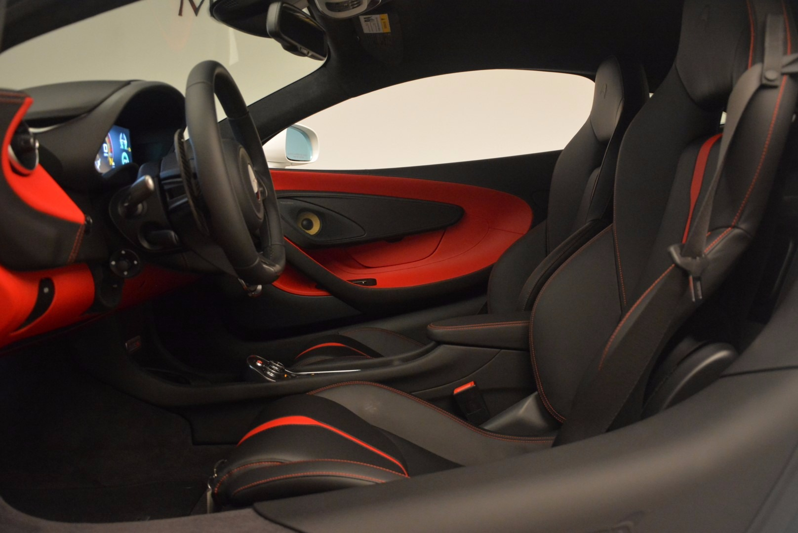 Used 2017 McLaren 570S  For Sale In Greenwich, CT 1454_p17