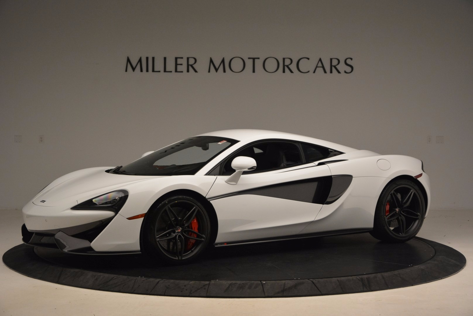 Used 2017 McLaren 570S  For Sale In Greenwich, CT 1454_p2