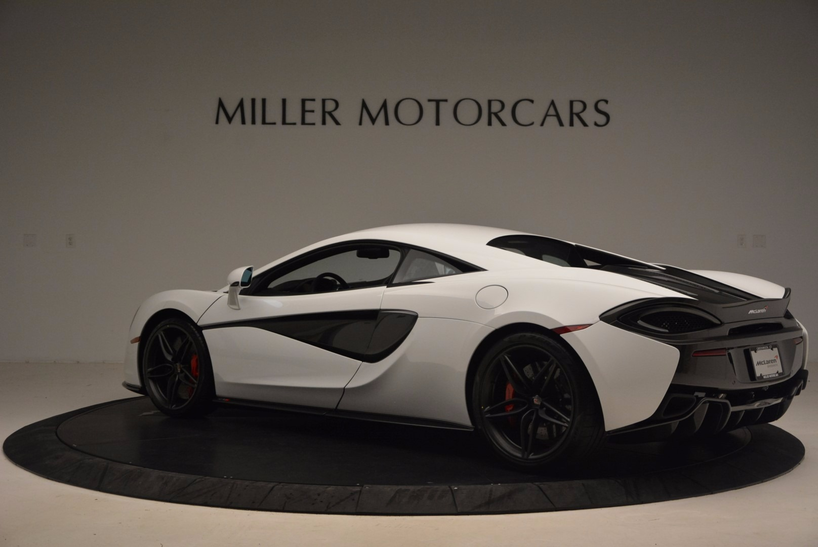 Used 2017 McLaren 570S  For Sale In Greenwich, CT 1454_p4